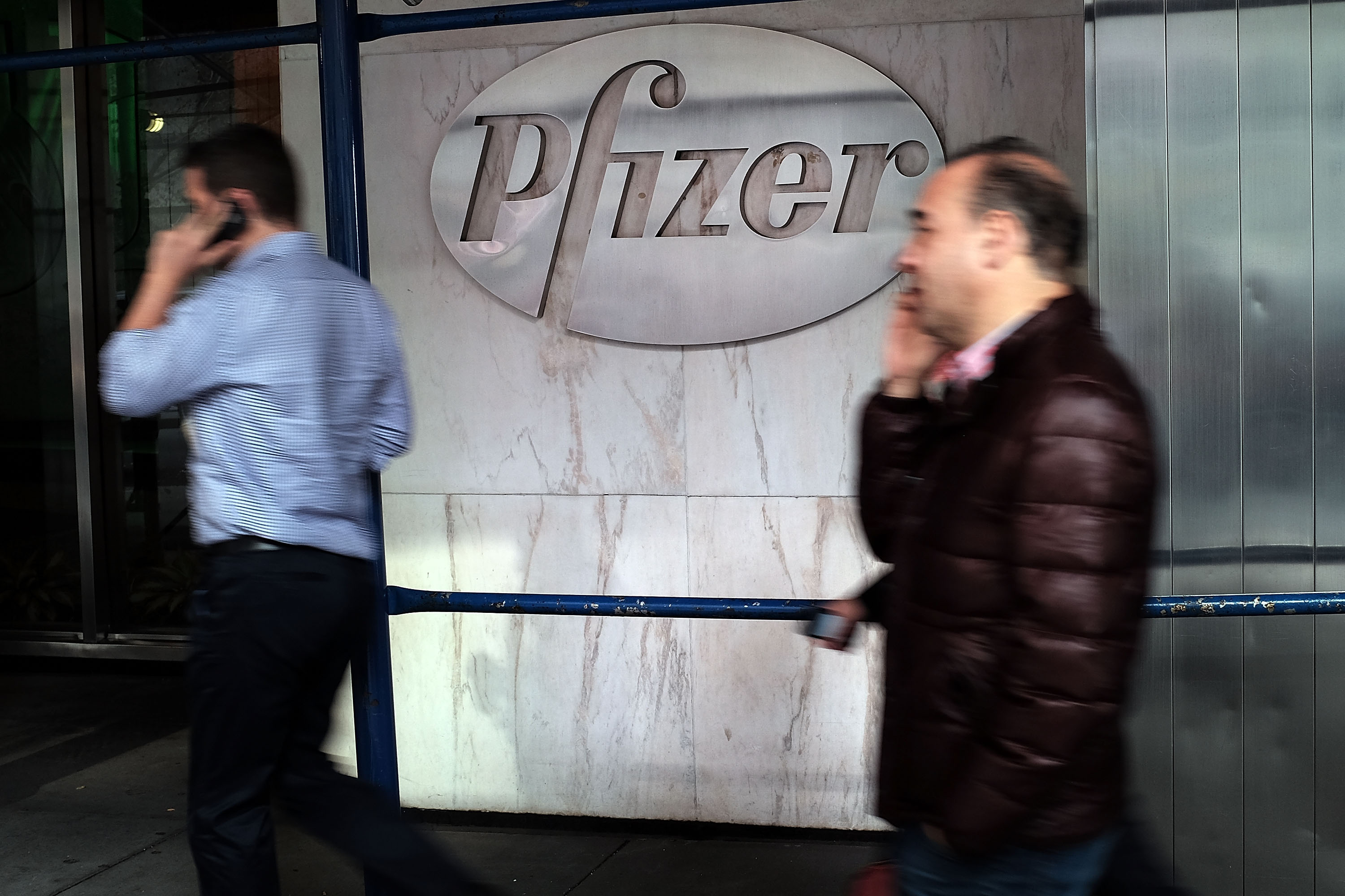 Pfizer In Merger Talks With Allergan PLC