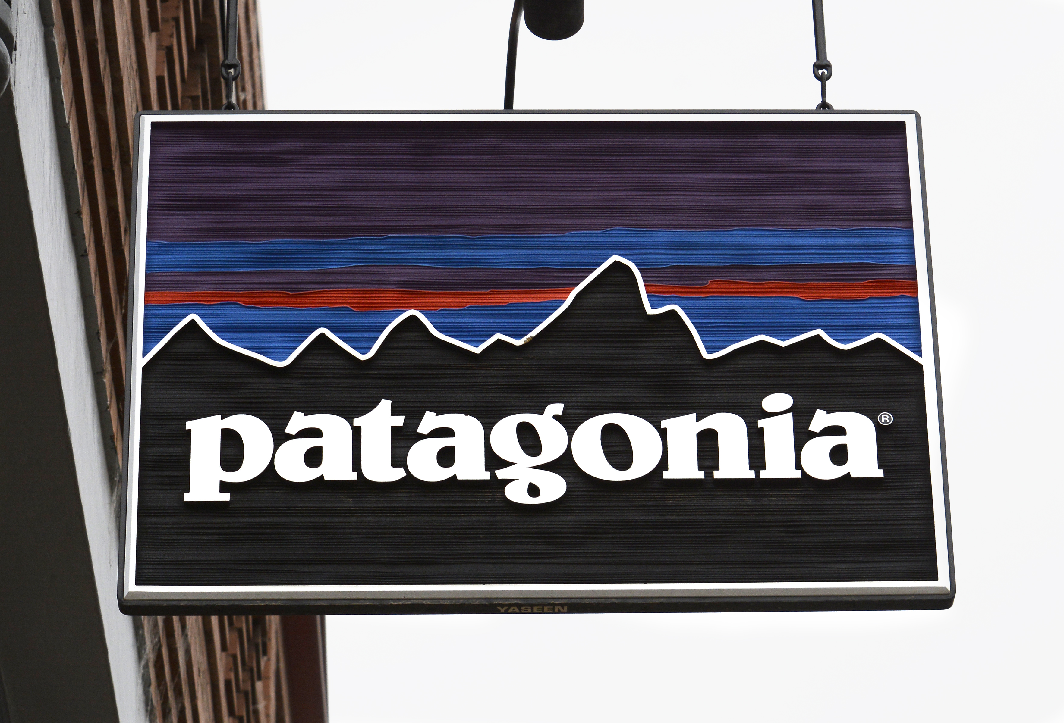 Black Friday 2016 Patagonia To Donate Sales To Charity Fortune