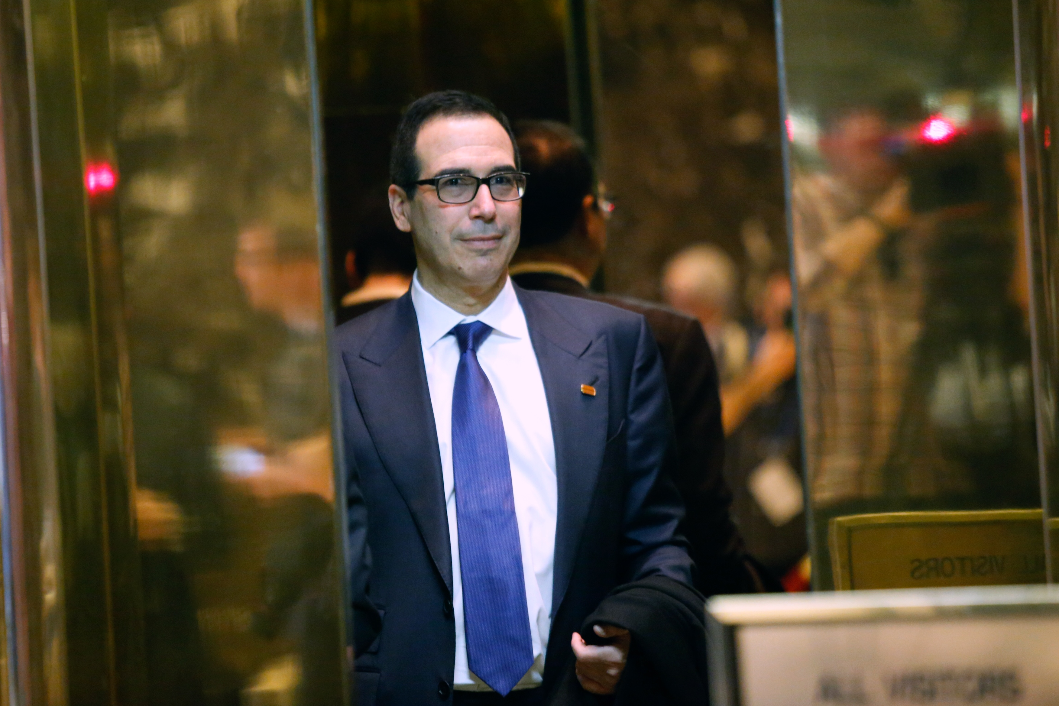 Treasury secretary nominee Steven Mnuchin arrives at the Trump Tower for meetings with President-elect Donald Trump.