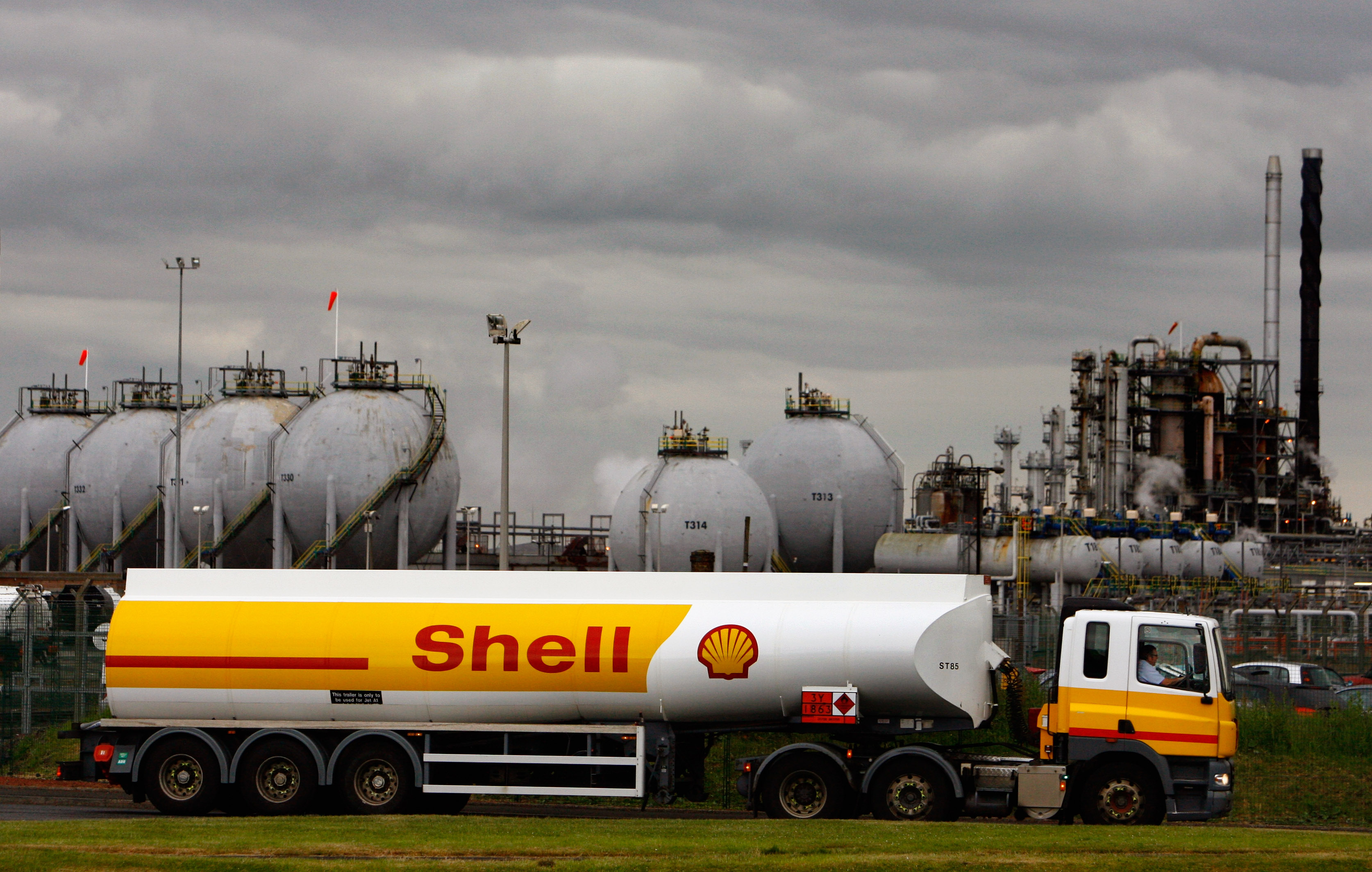 Shell Tanker Drivers Return To Work Following Strike