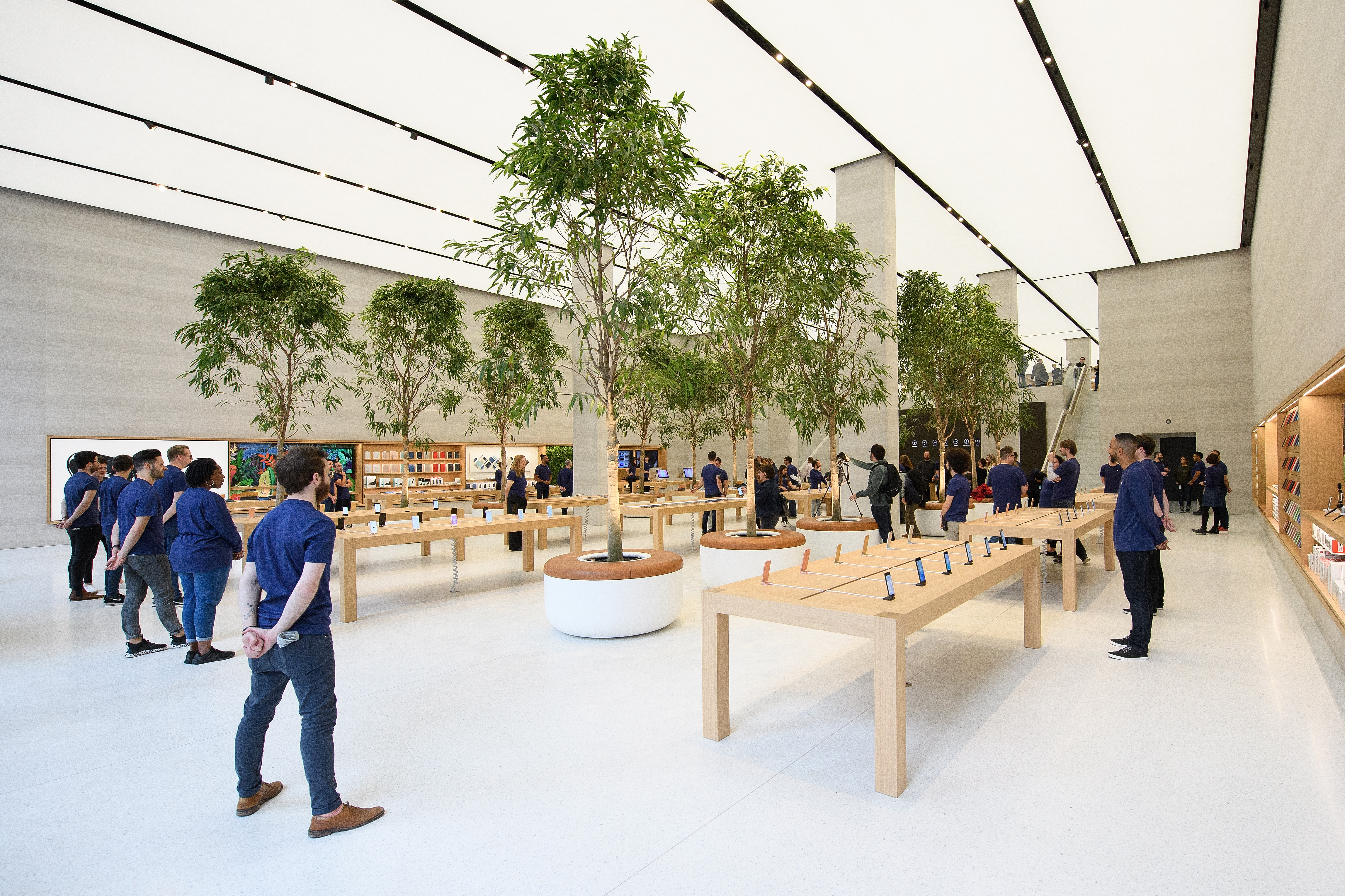 Preview Of Upgraded Apple Store In Regent Street