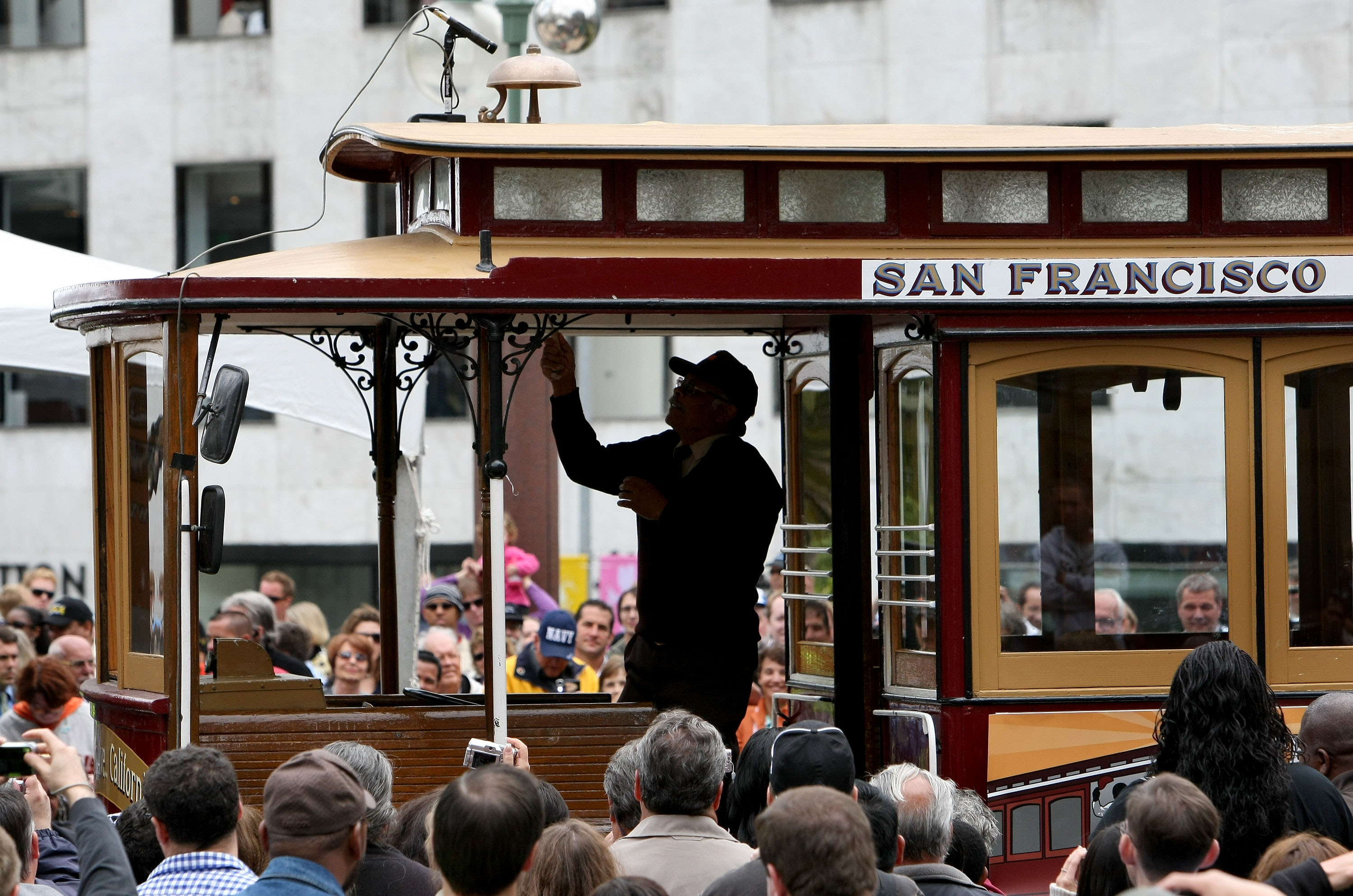 San Francisco Hosts Cable Car Bell Ringing Contest
