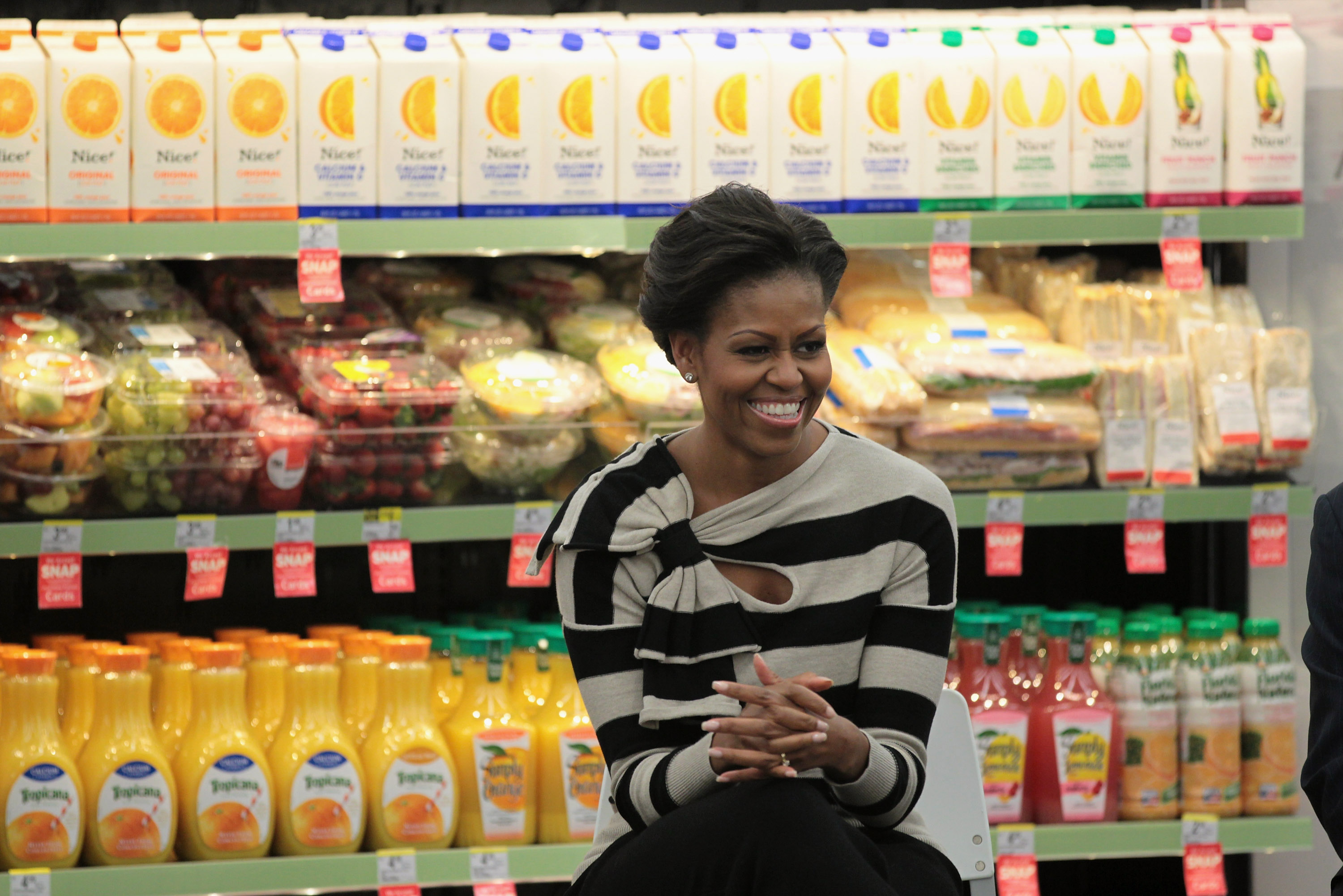 First Lady Michelle Obama Visits Chicago Promoting Healthy Food Options