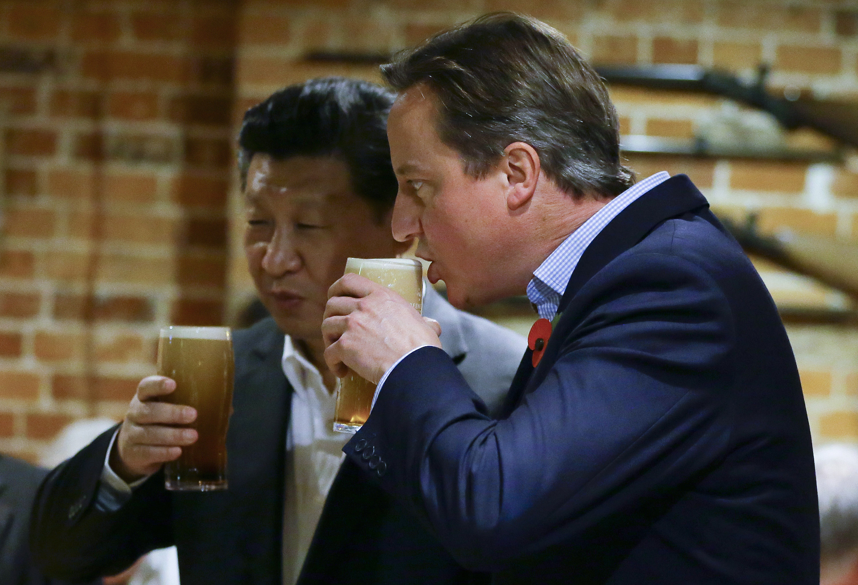 David Cameron And Chinese President Xi Jinping Visit Princes Risborough Pub