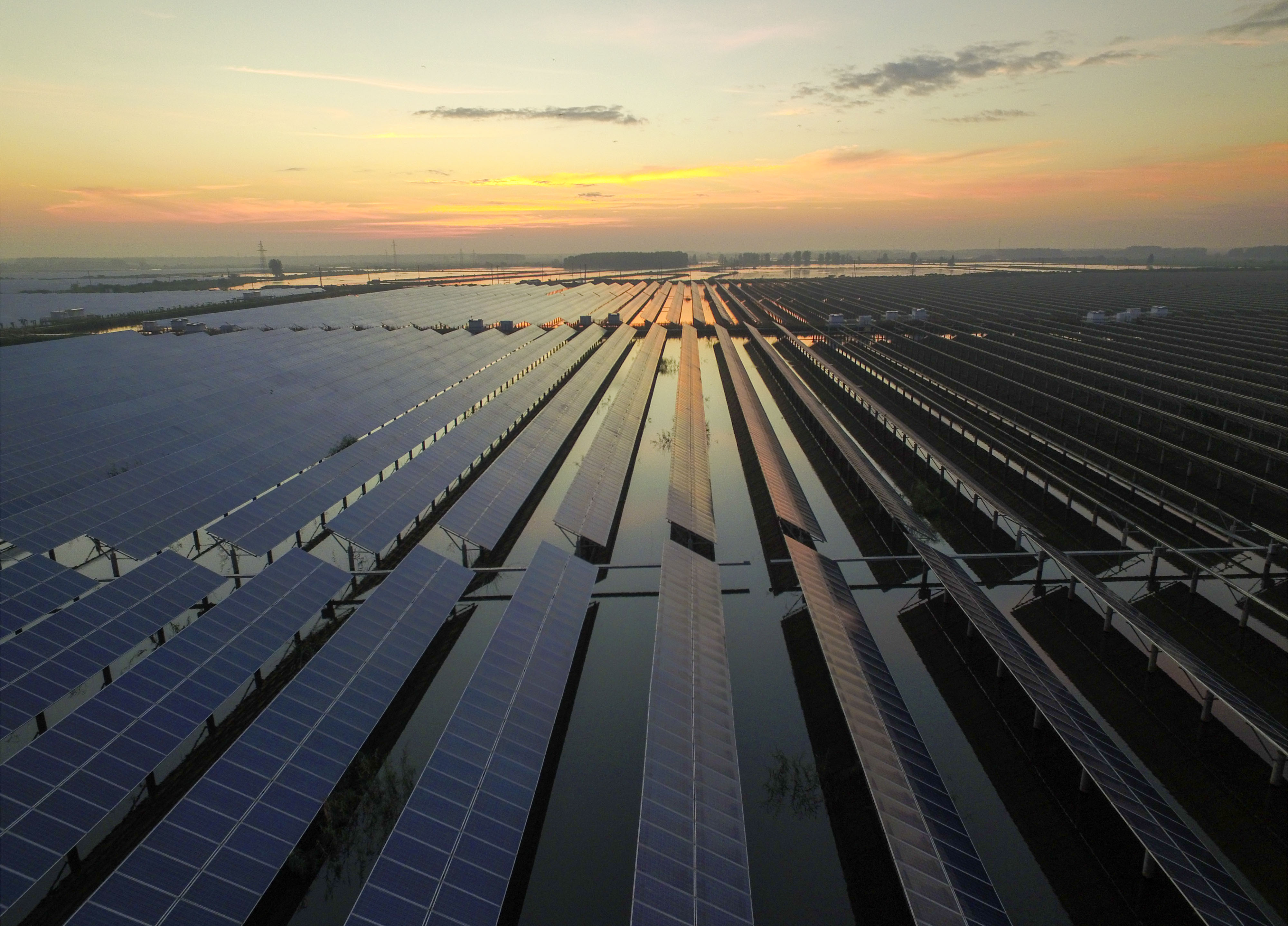 Large Photovoltaic Power Plant Built Above Water In Taizhou
