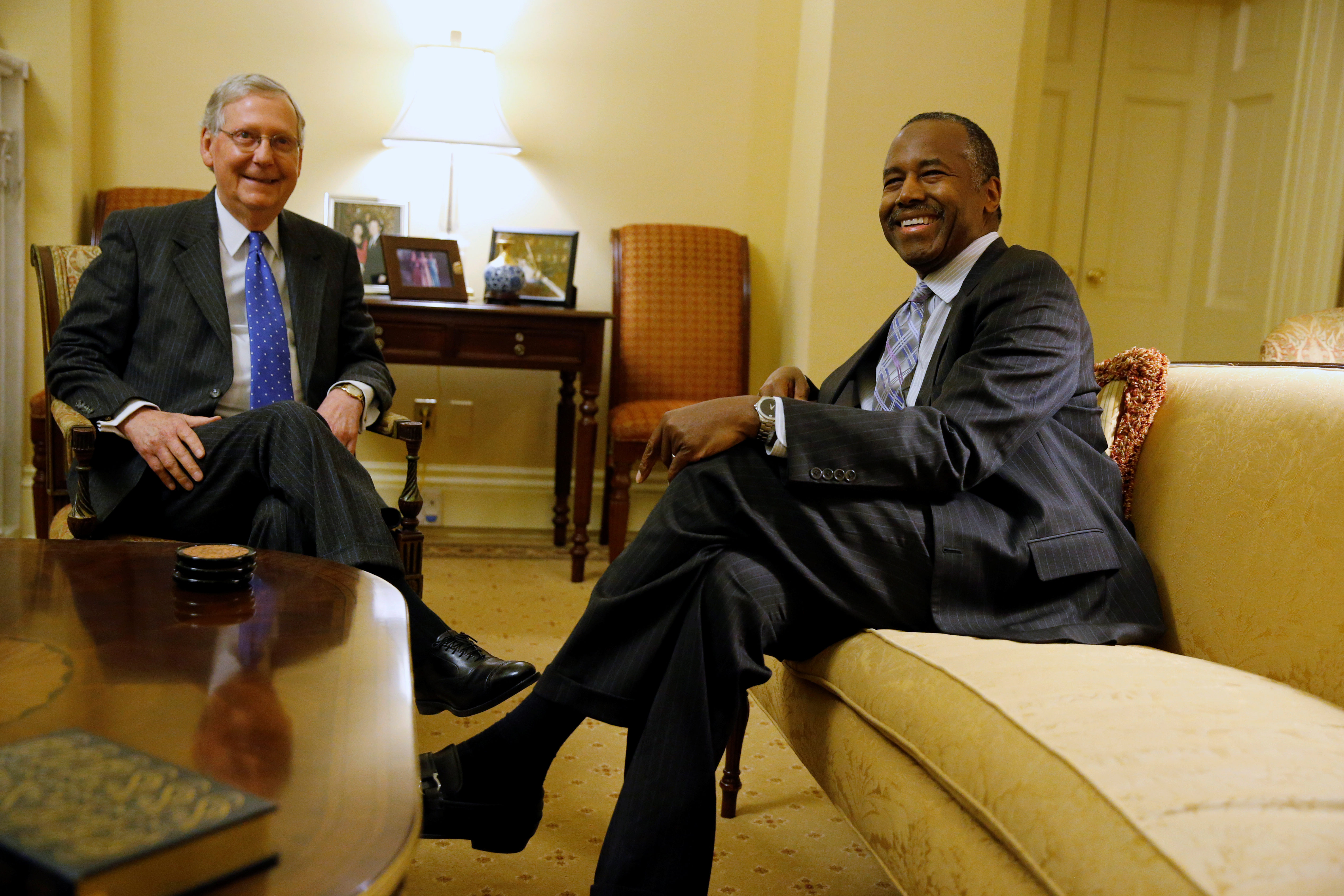 McConnell welcomes Carson in his office at the Capitol in Washington