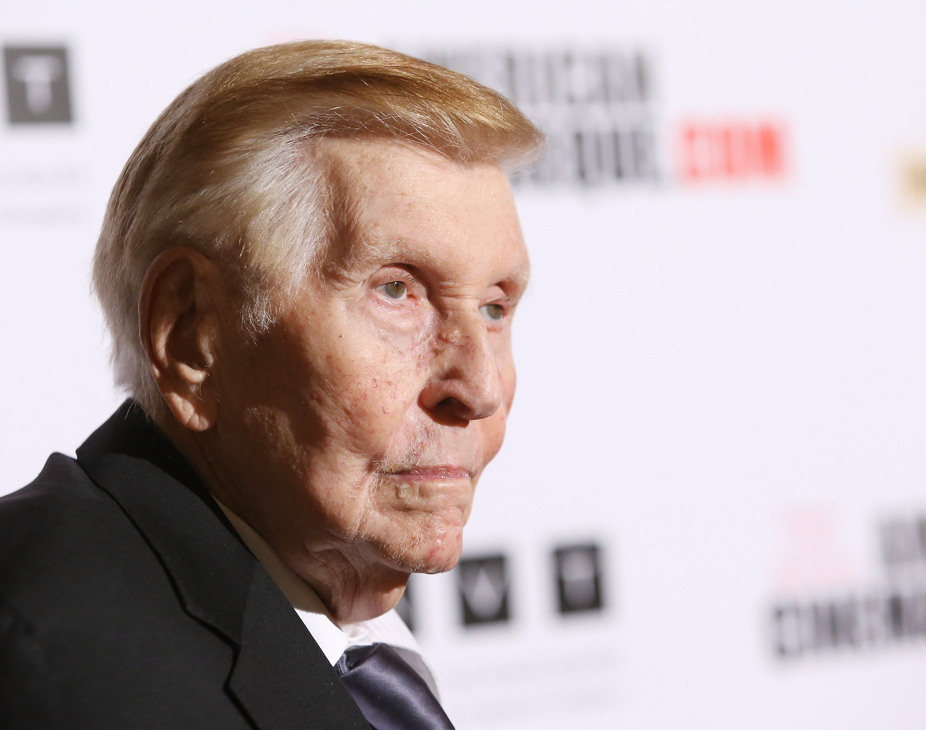Sumner Redstone arrives at the 27th American Cinematheque Award honoring Jerry Bruckheimer held at The Beverly Hilton Hotel on December 12, 2013 in Beverly Hills, California.