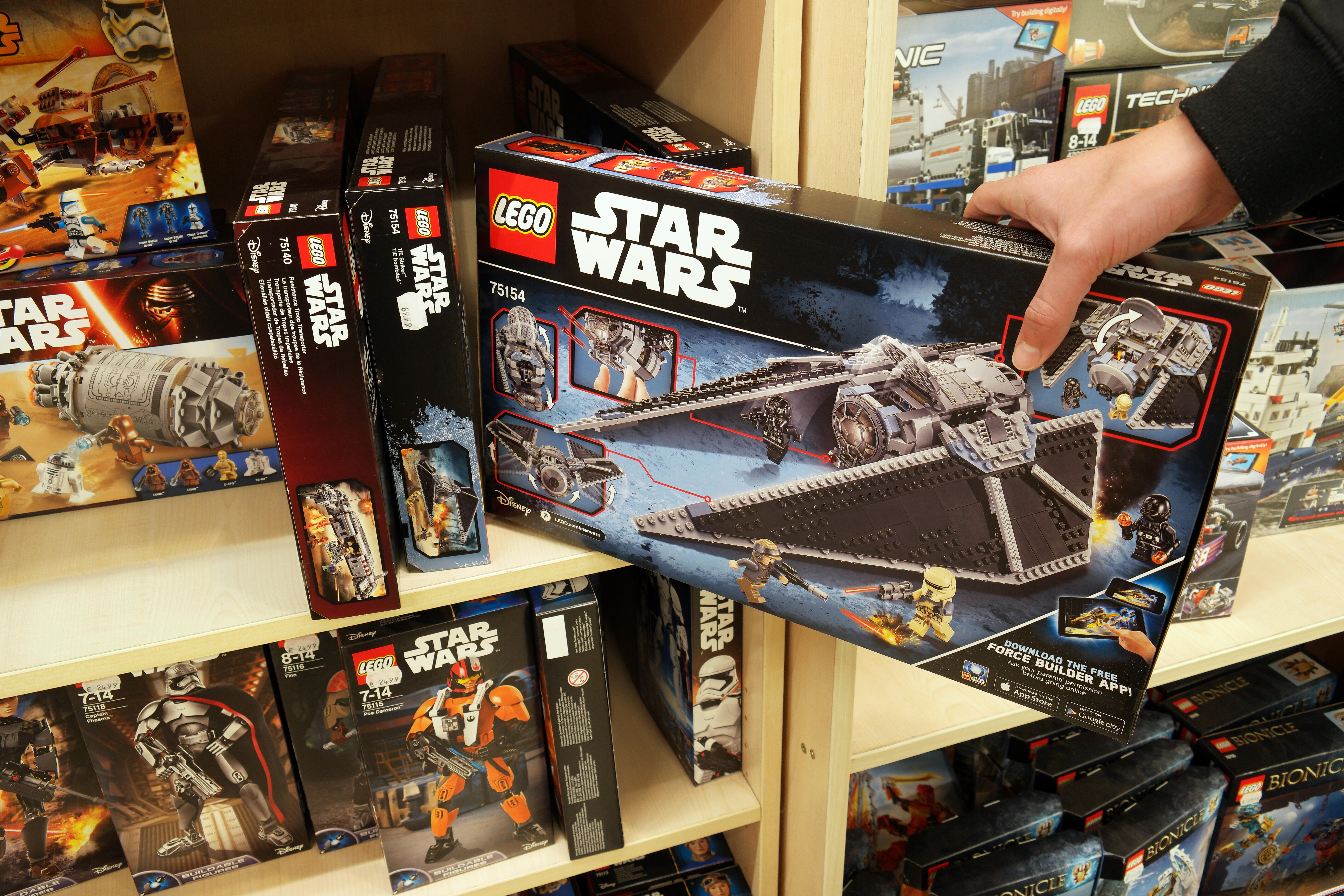 Lego Star Wars boxes