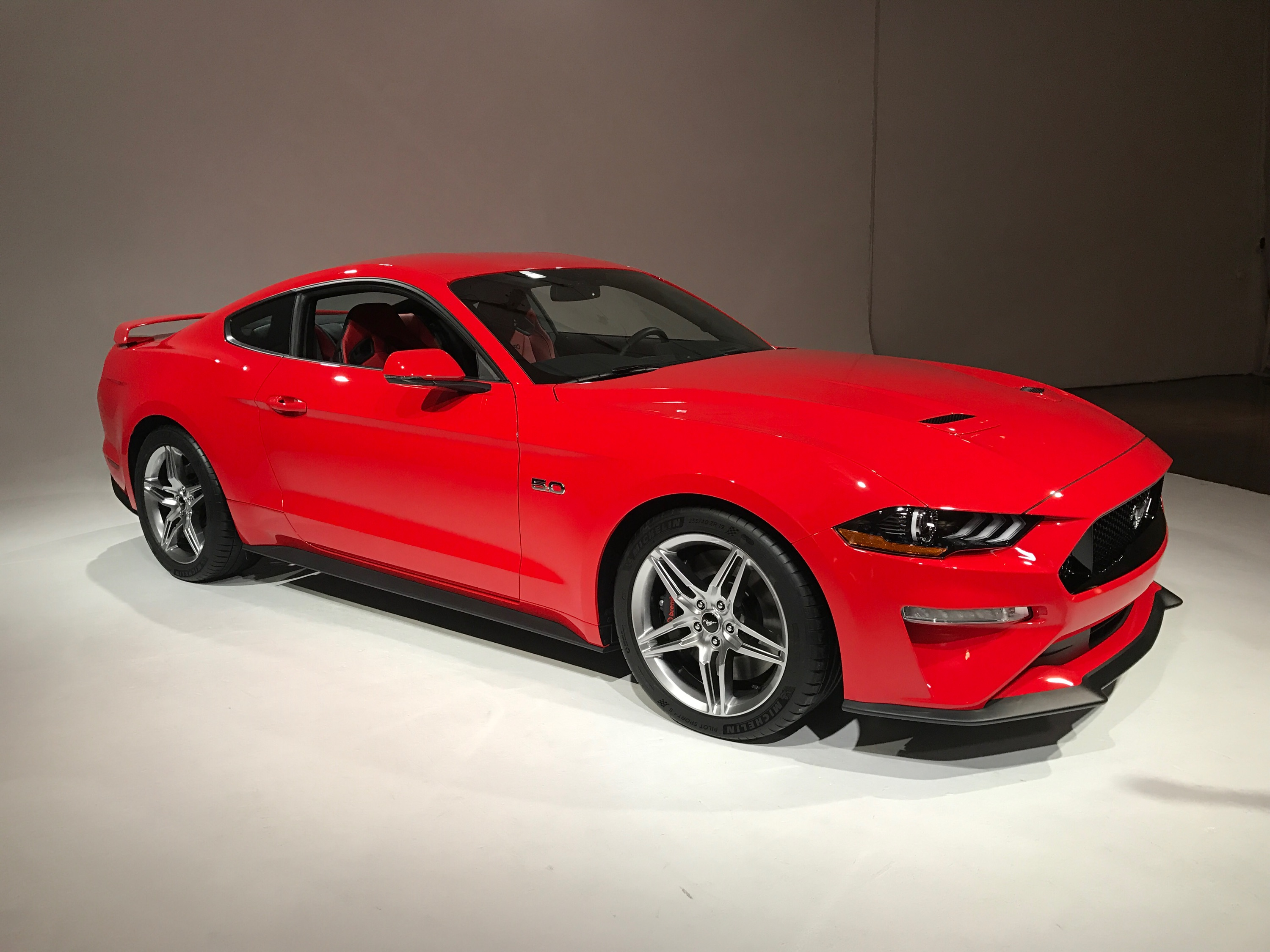 Red Mustang 2018