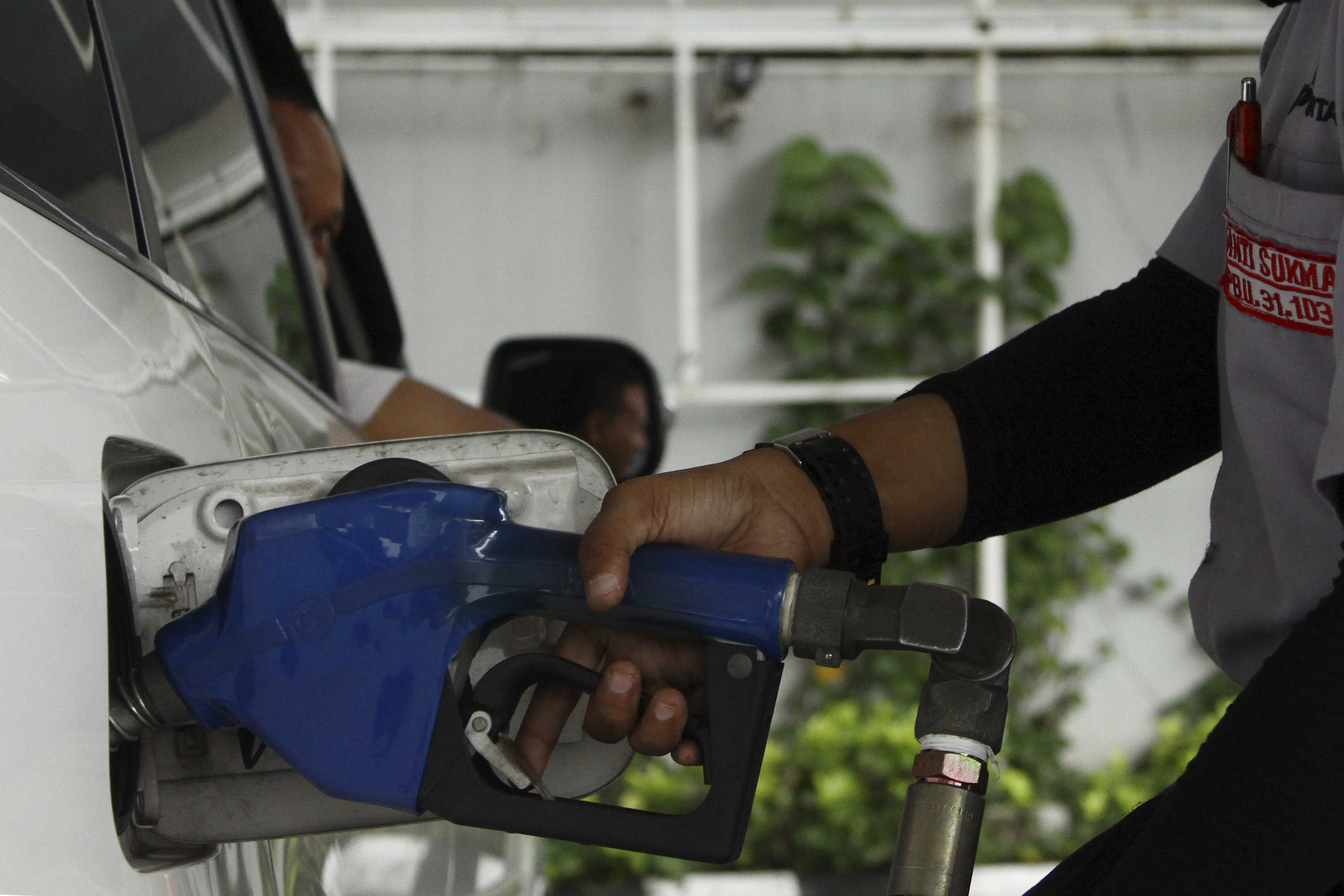 Indonesian government raising fuel price