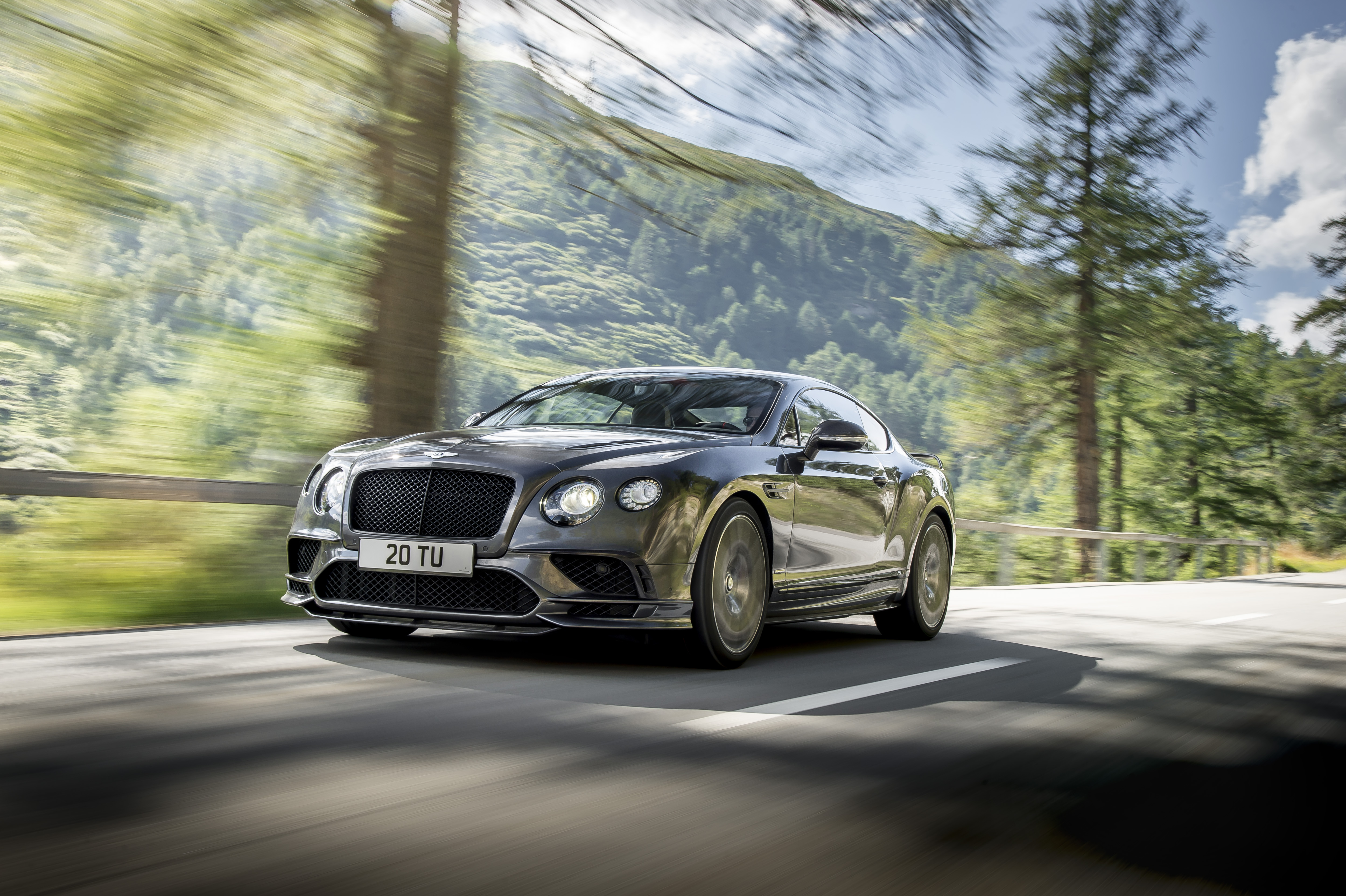 Bentley Continental GT SupersportsPhoto: James Lipman / jameslipman.com
