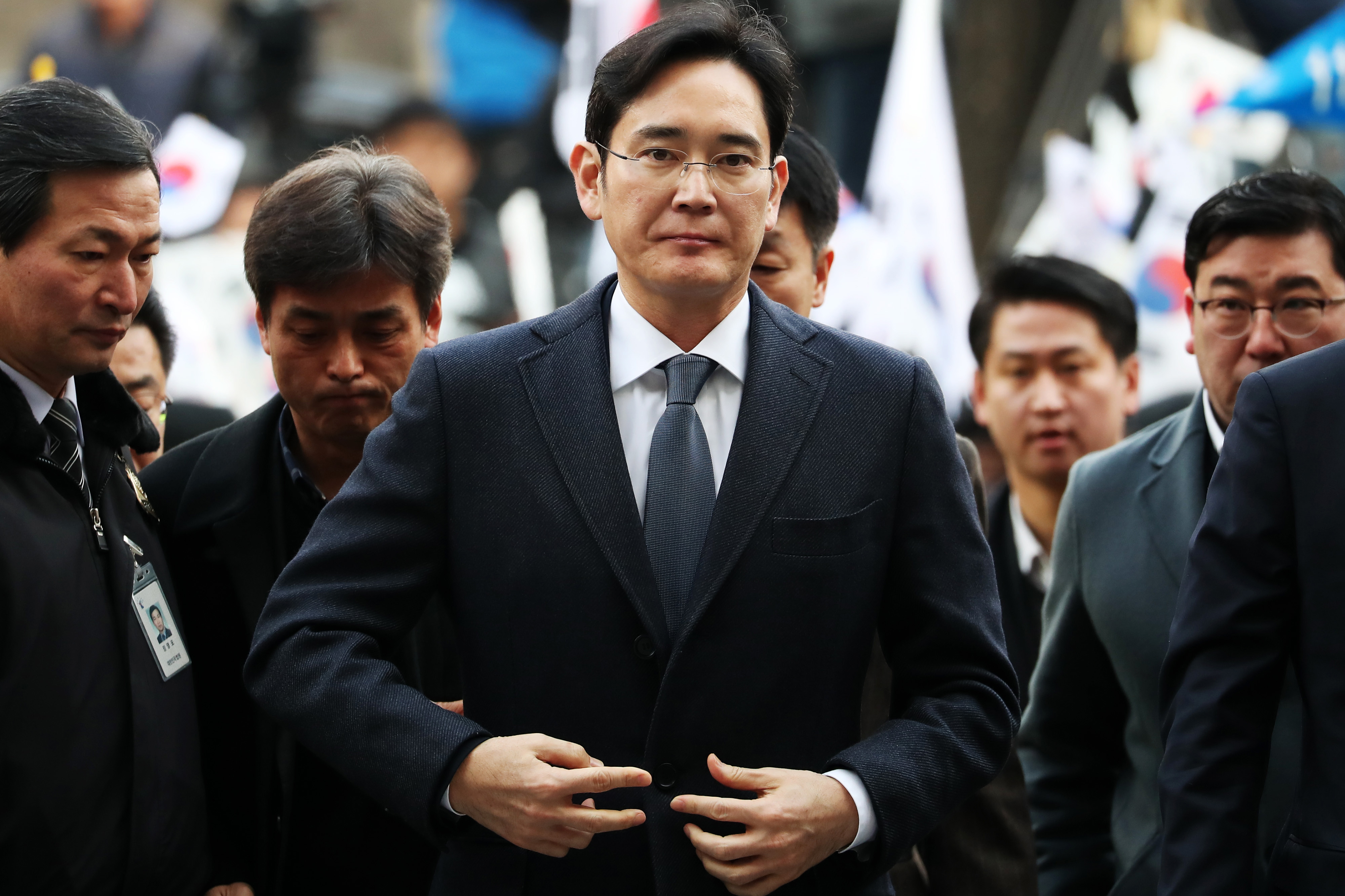 Samsung Vice Chairman Jay Y. Lee Appears In Court Again To Face Arrest Warrant In Graft Probe
