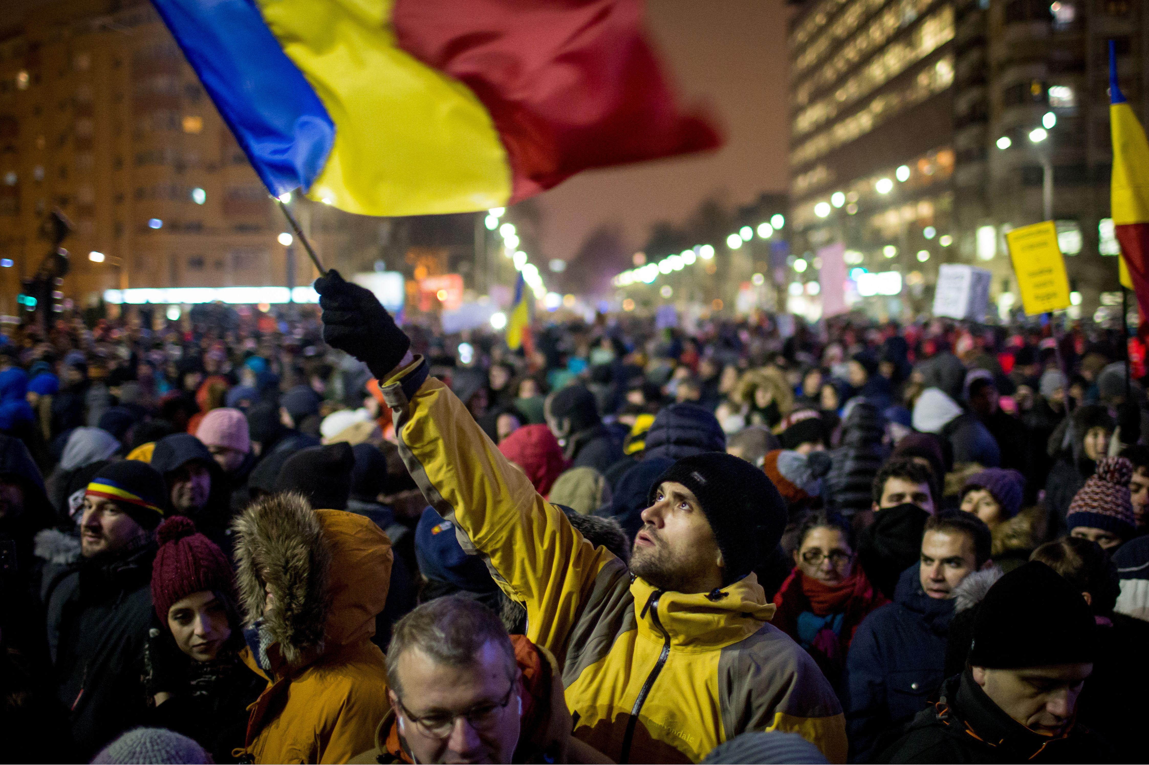 TOPSHOT-ROMANIA-POLITICS-CORRUPTION