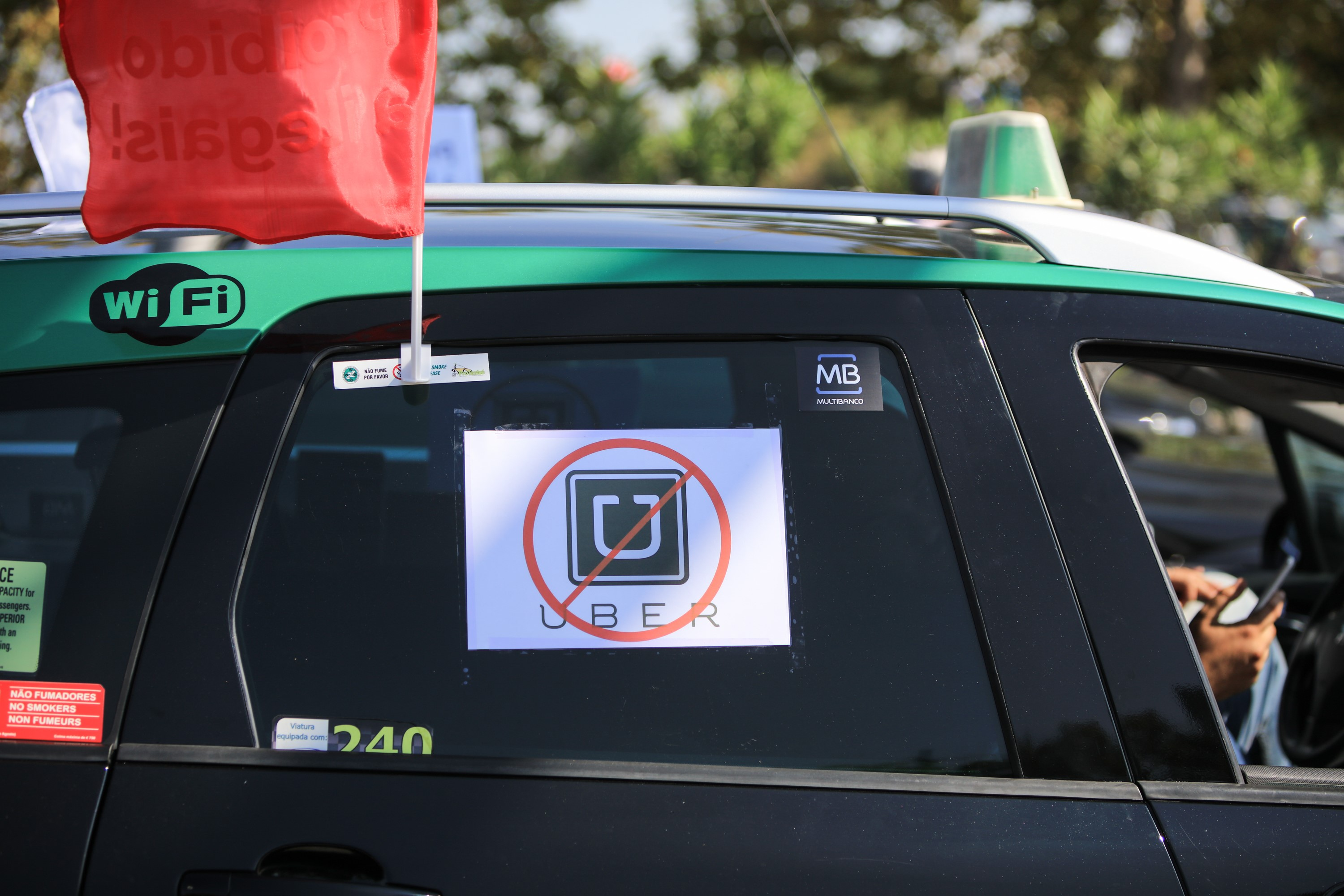 Portuguese taxis protest against Uber