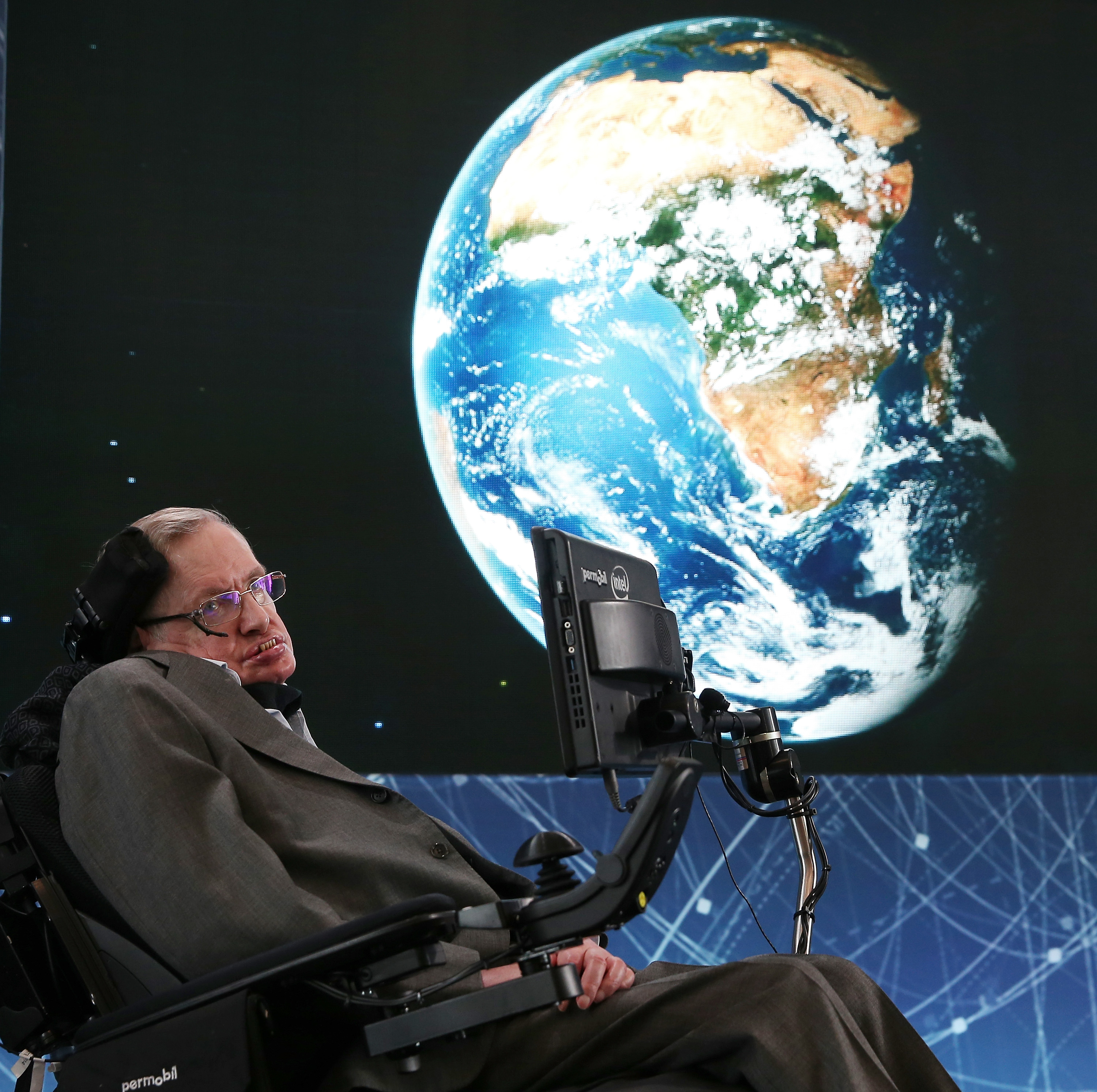 "Stephen Hawking at the New Space Exploration Initiative ""Breakthrough Starshot"" Announcement"