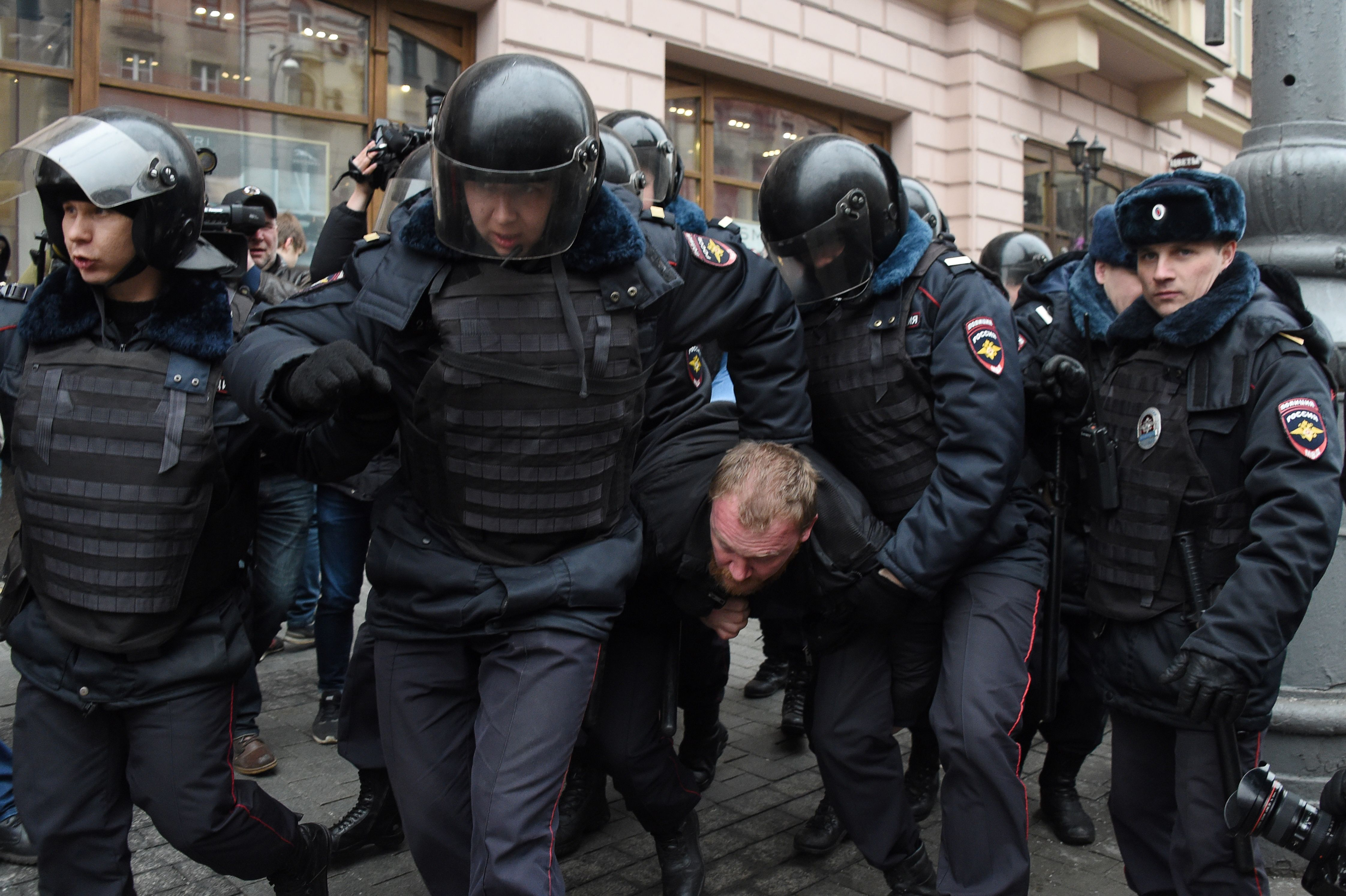 RUSSIA-POLICE-OPPOSITION-POLITICS-PROTEST