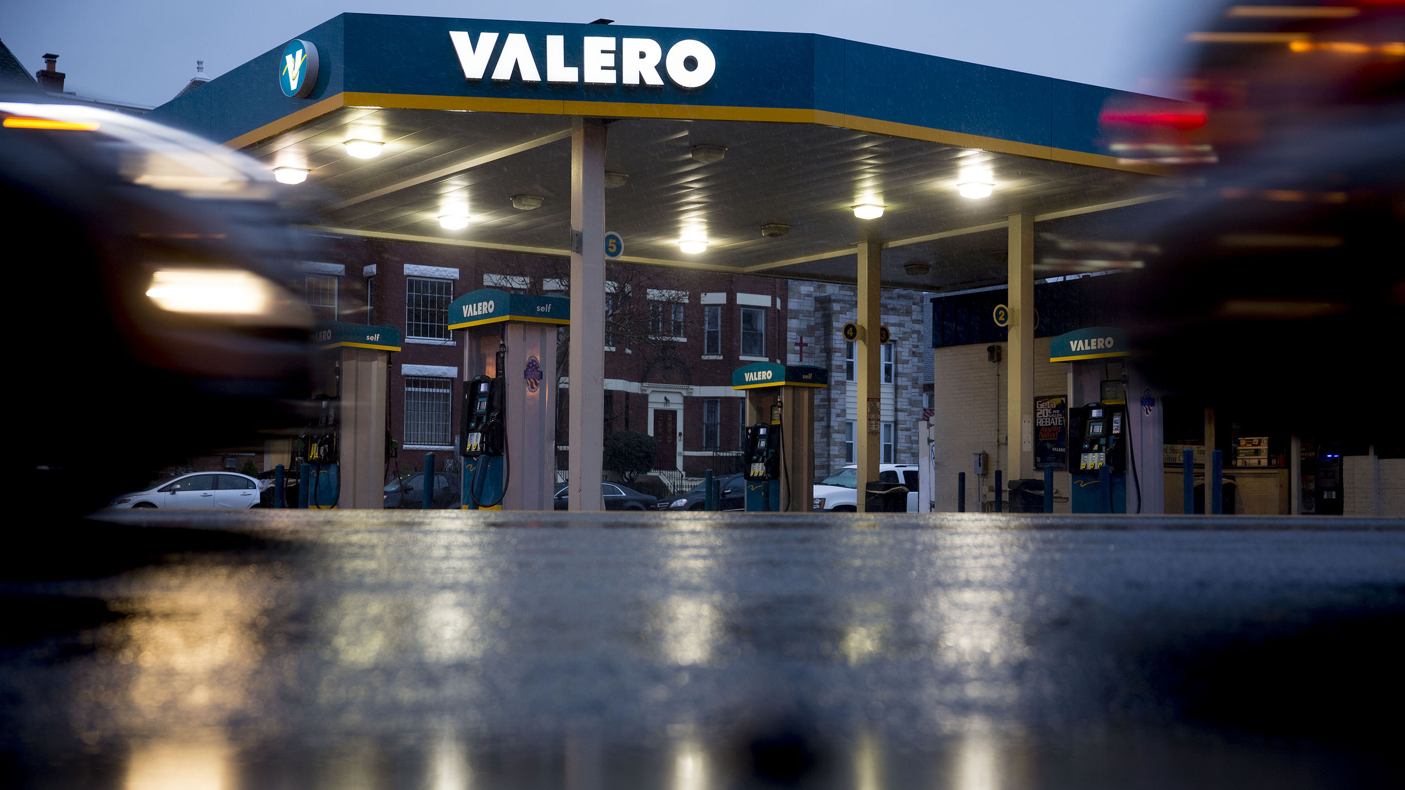 Valero Energy Corp. Gas Stations Ahead Of Earnings Figures Release