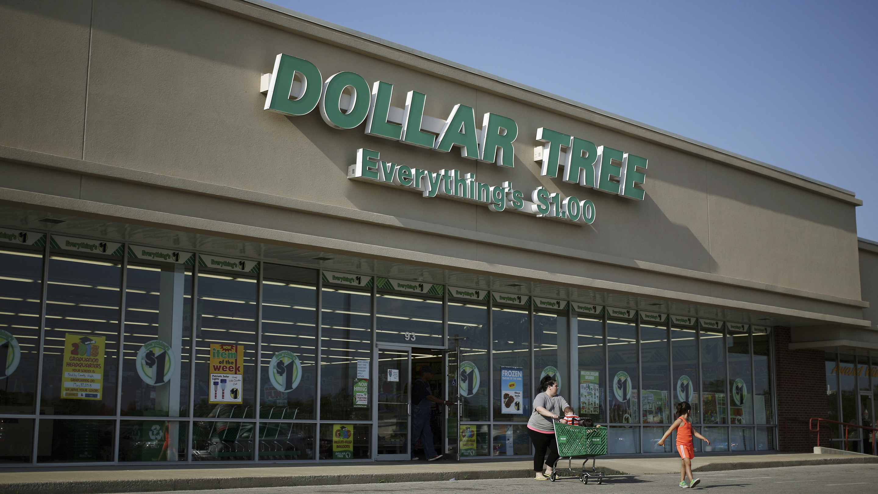 A Dollar Tree Inc. Store Ahead Of Earnings Figures