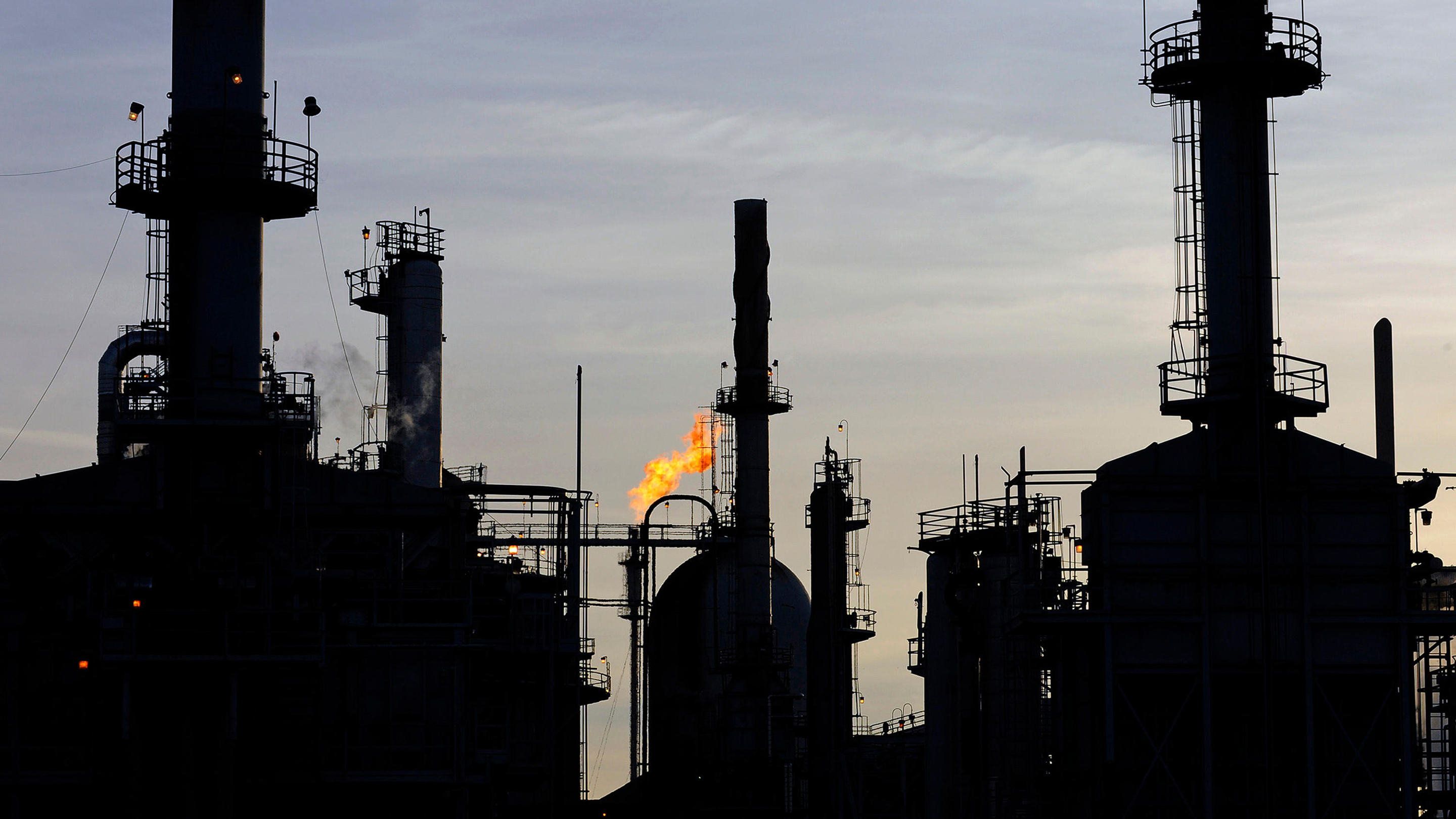 A general view of the Tesoro refinery in Carson, California February 2, 2015.  The Los Angeles Refinery is the largest refinery on the West Coast and at full capacity, it operates at 363,000 barrels per day (bpd), according to a Tesoro fact sheet. REUTERS