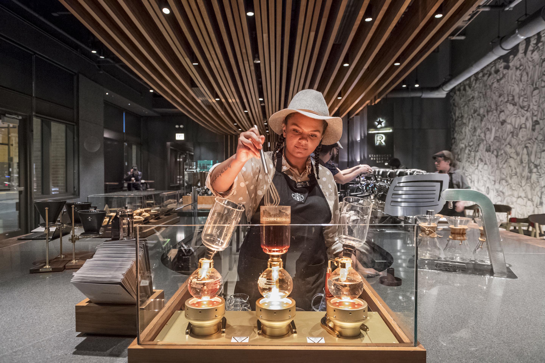 Fortune 500: Starbucks, Reserve Bar, Chicago