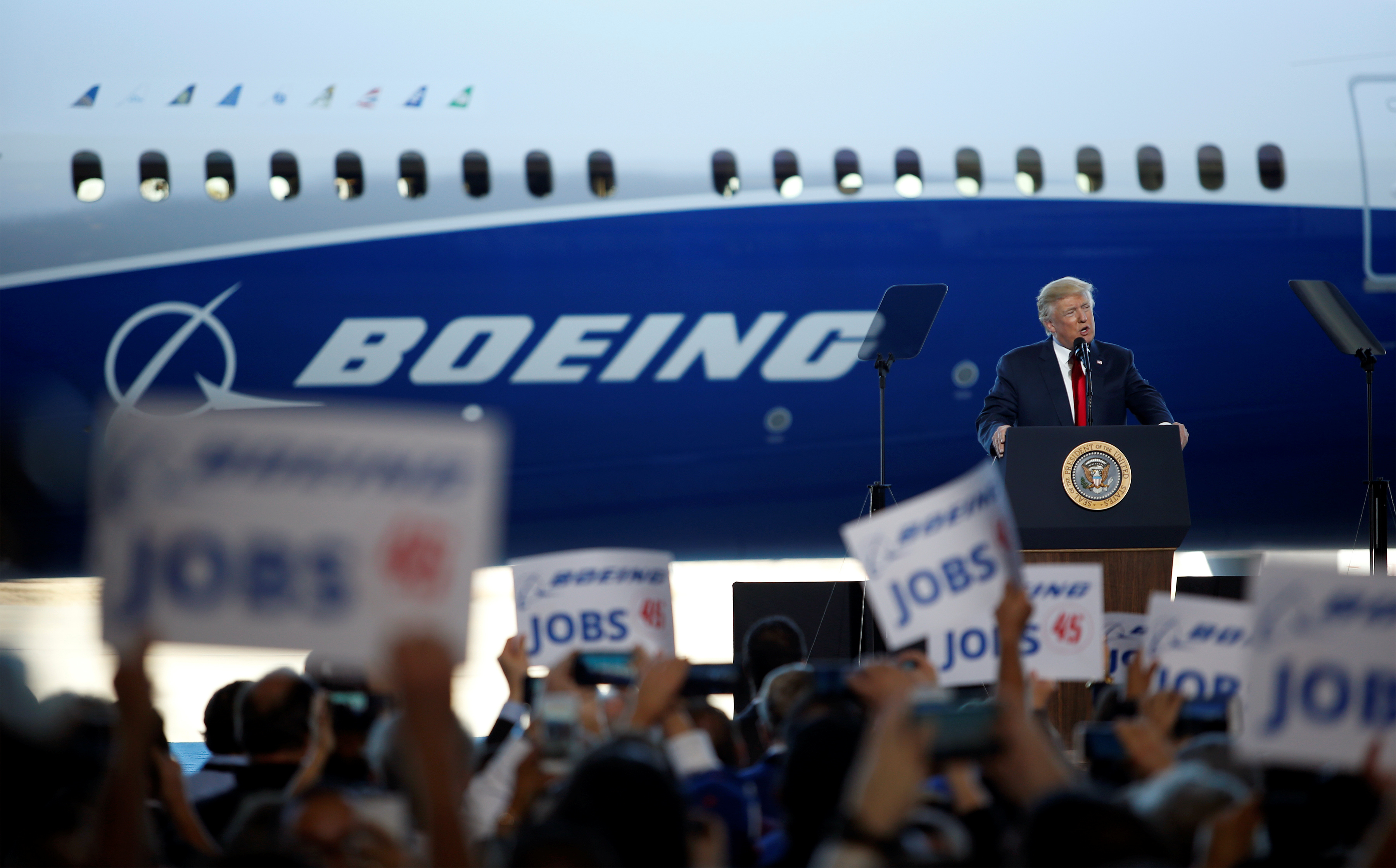 trump-boeing-plant-lay-off
