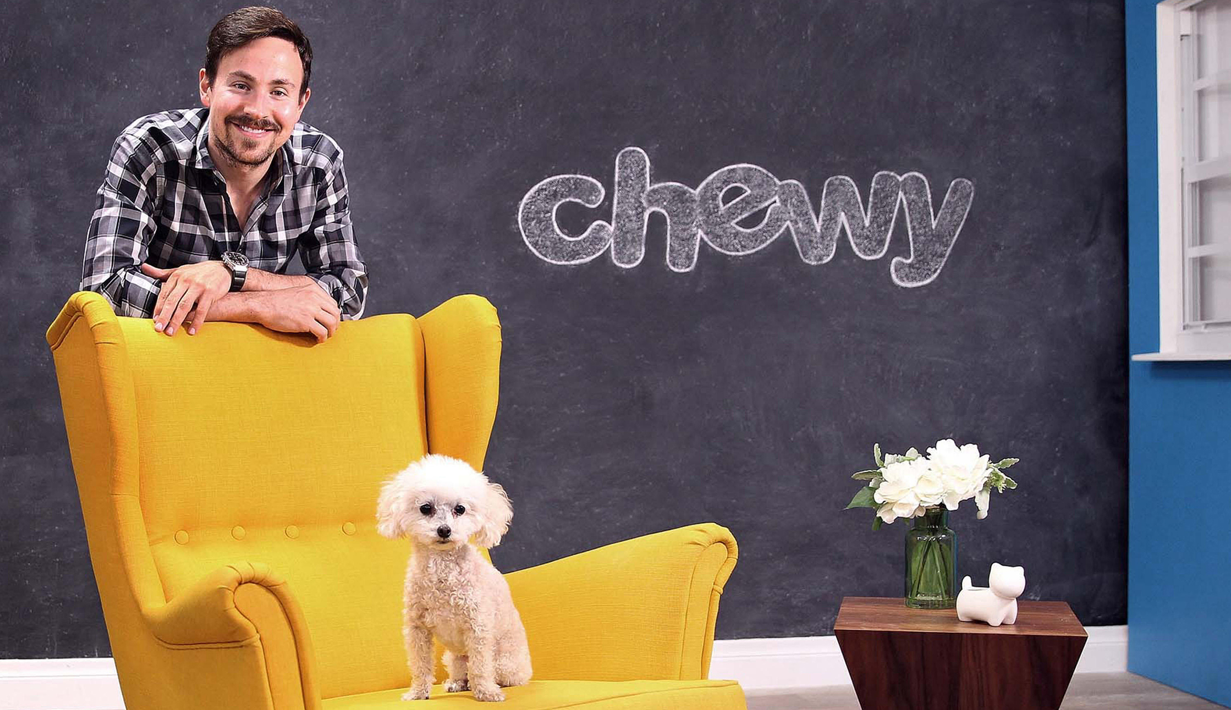 Dania Beach, USA. 01st Feb, 2017. Ryan Cohen, CEO of Chewy.com, and his poodle Tylee at the company's photo studio in Dania Beach, Fla. Credit: C.M. Guerrero/Miami Herald/TNS/Alamy Live News