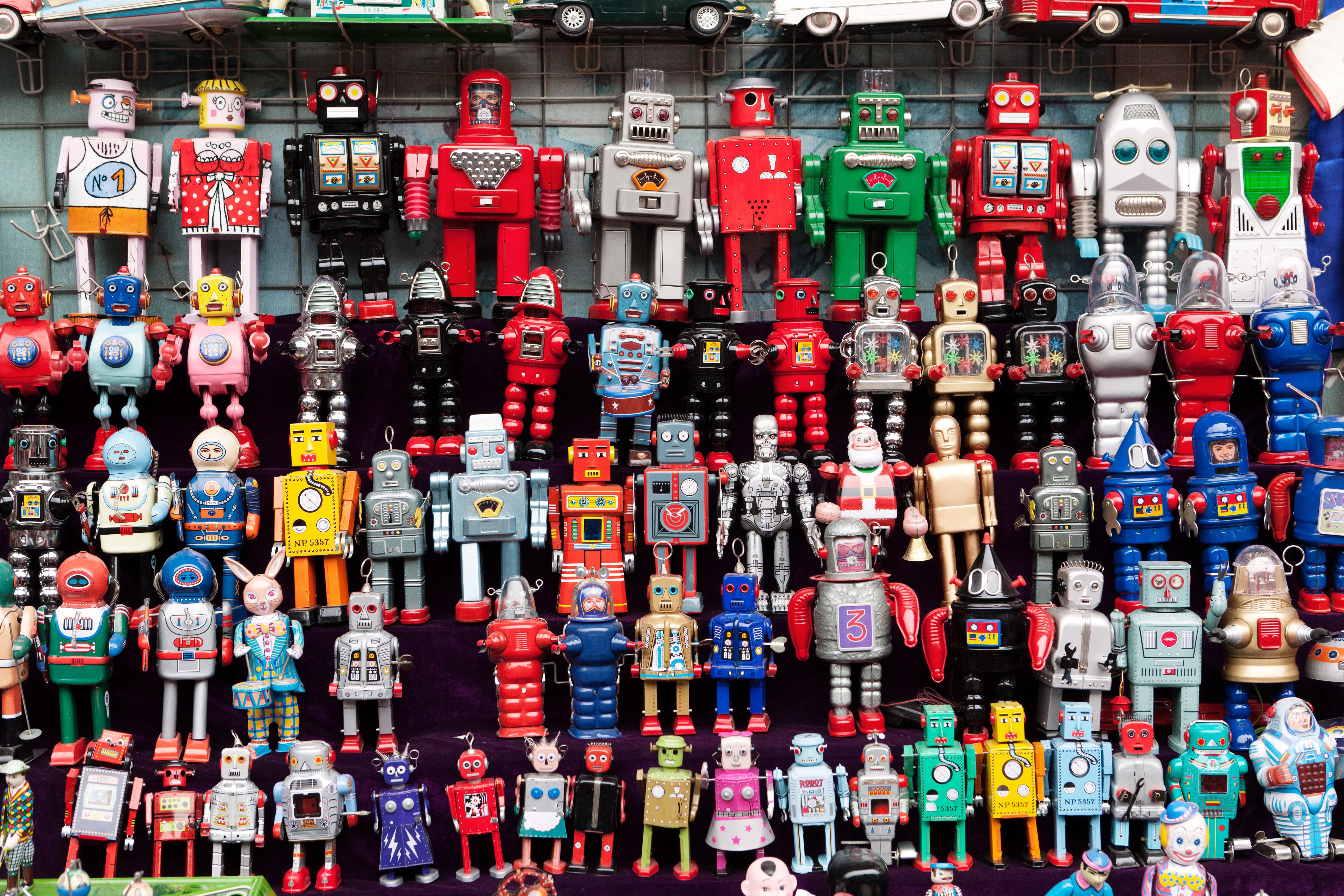 Robots at the Panjiayuan Antique Market.