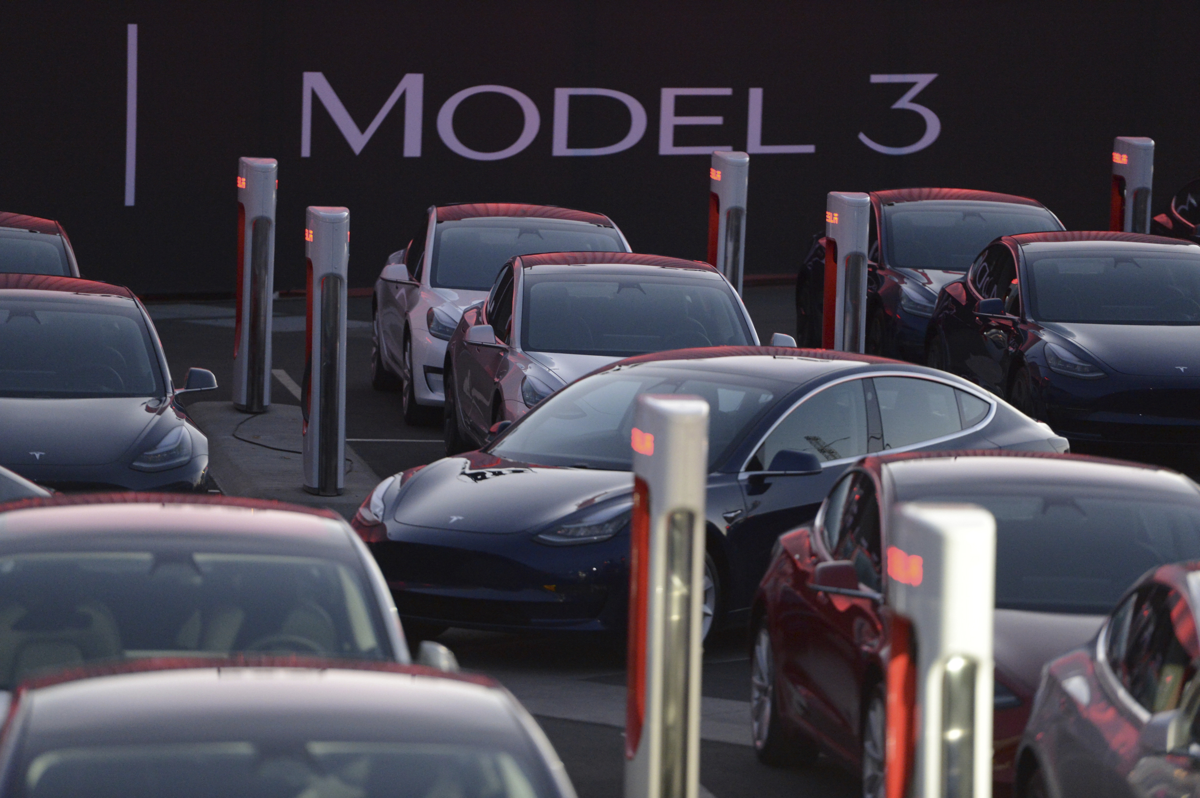 Vorstellung des Tesla-Fahrzeugs Model 3