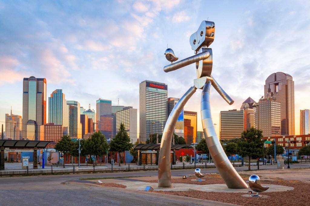 The Walking Man, Robot, Deep Ellum, Dallas, Texas
