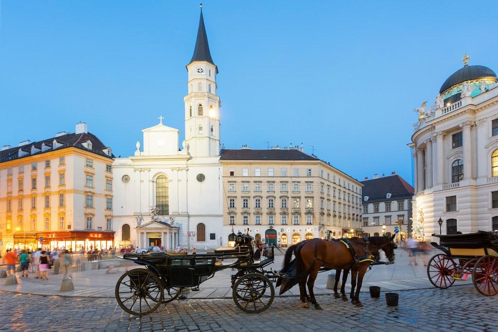 Horse carriage, Josefsplatz, Vienna