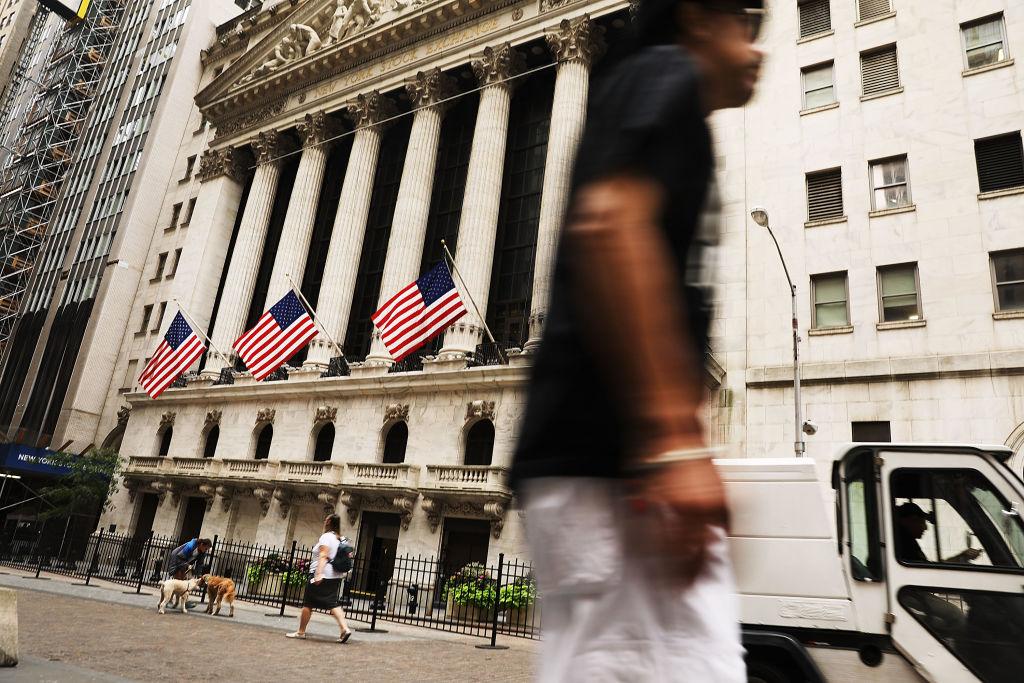 Dow Jones Industrials Average Continues Upward Streak