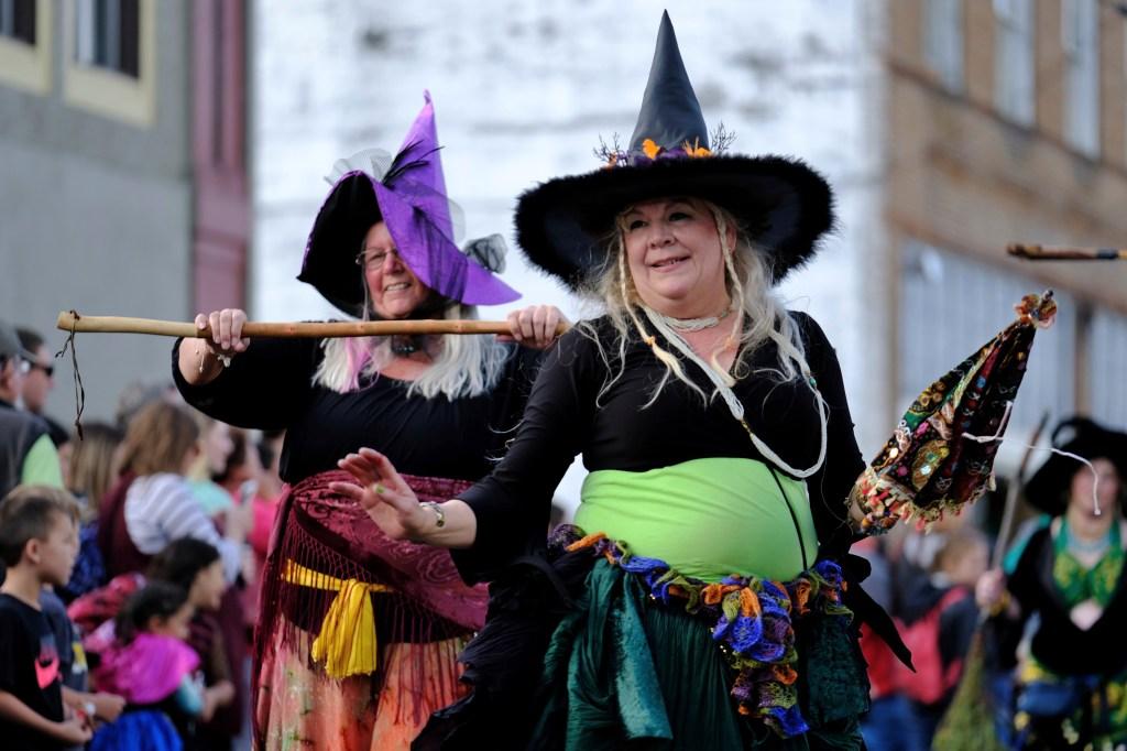 OR: Spirit of Halloweentown Parade