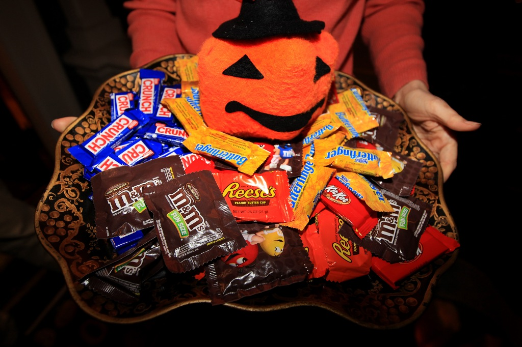 Elizabeth Warren Hands Out Halloween Candy