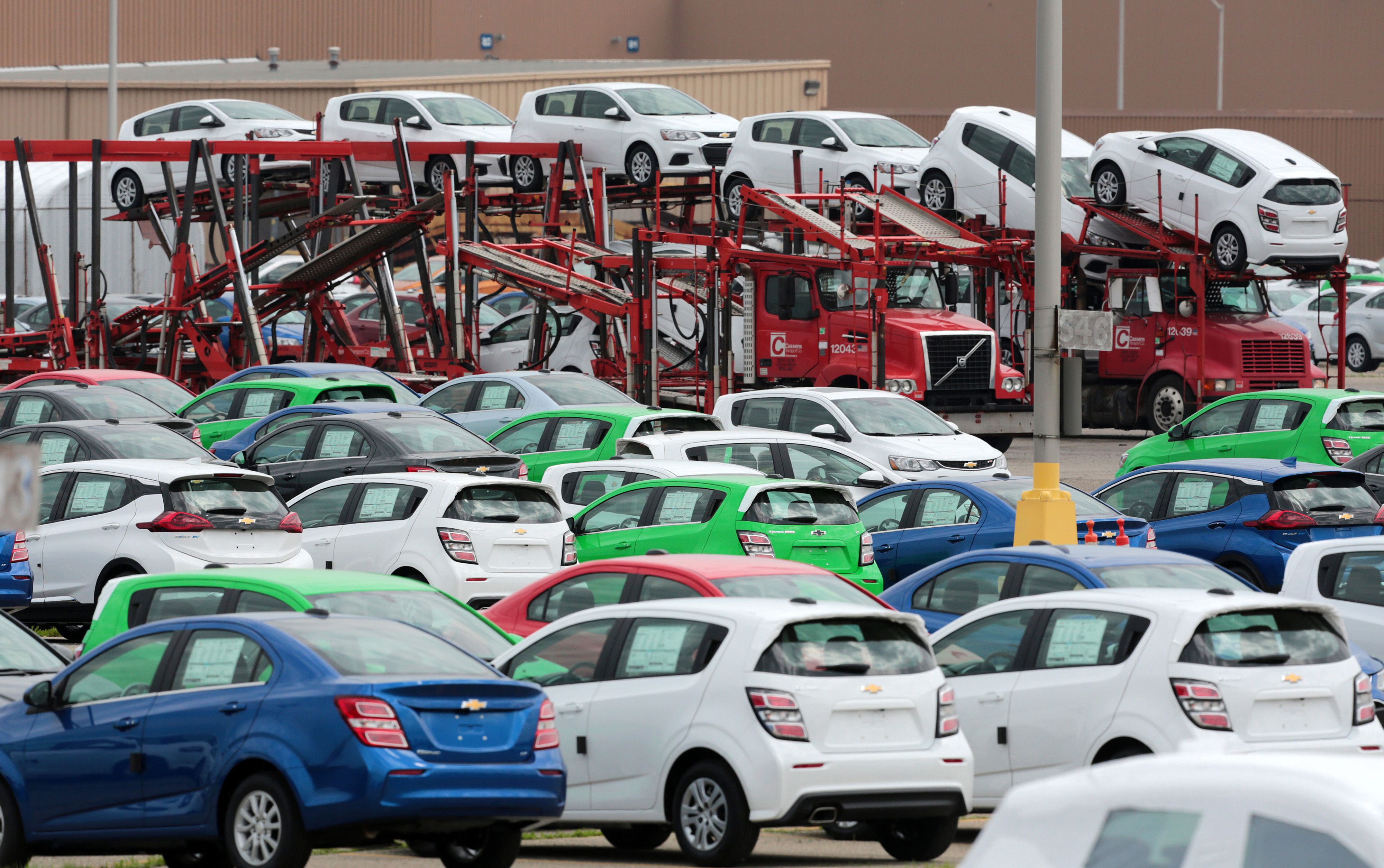 General Motors Cars >> General Motors Just Made A Lot More Self Driving Cars Fortune