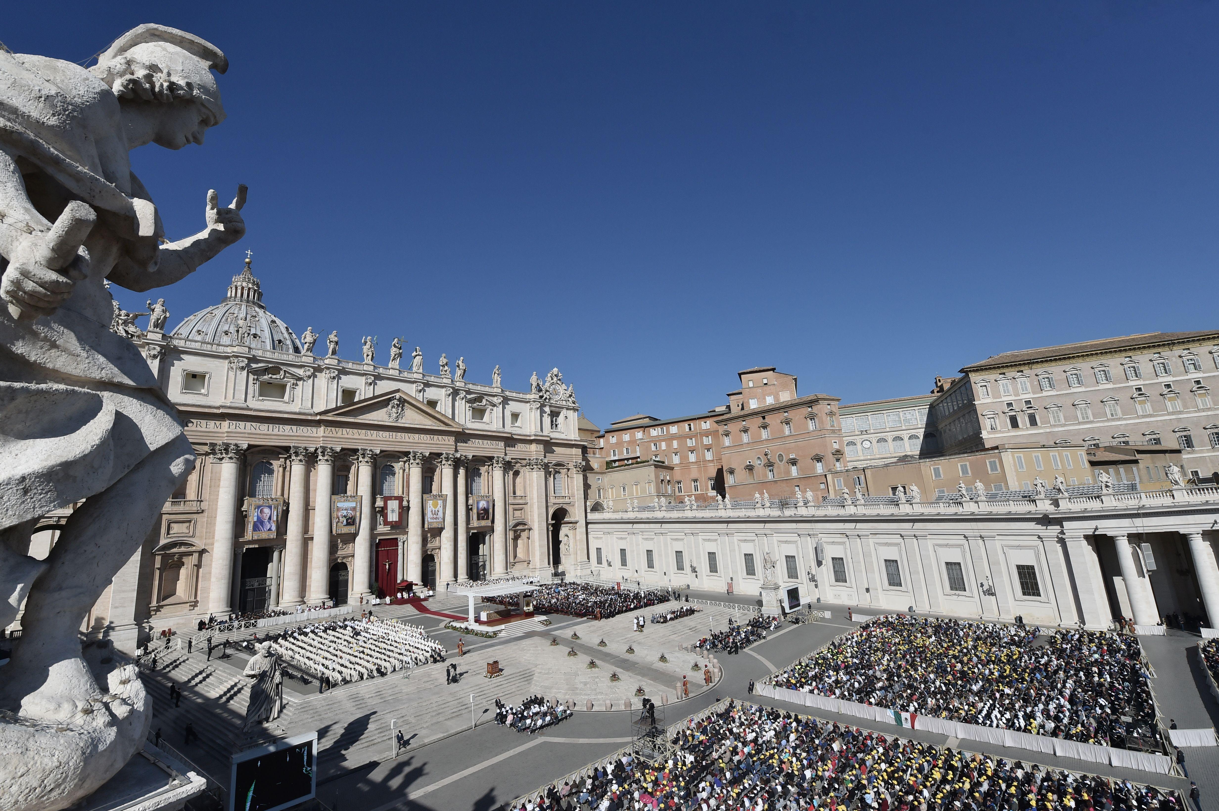 VATICAN-POPE-MASS-CANONIZATION