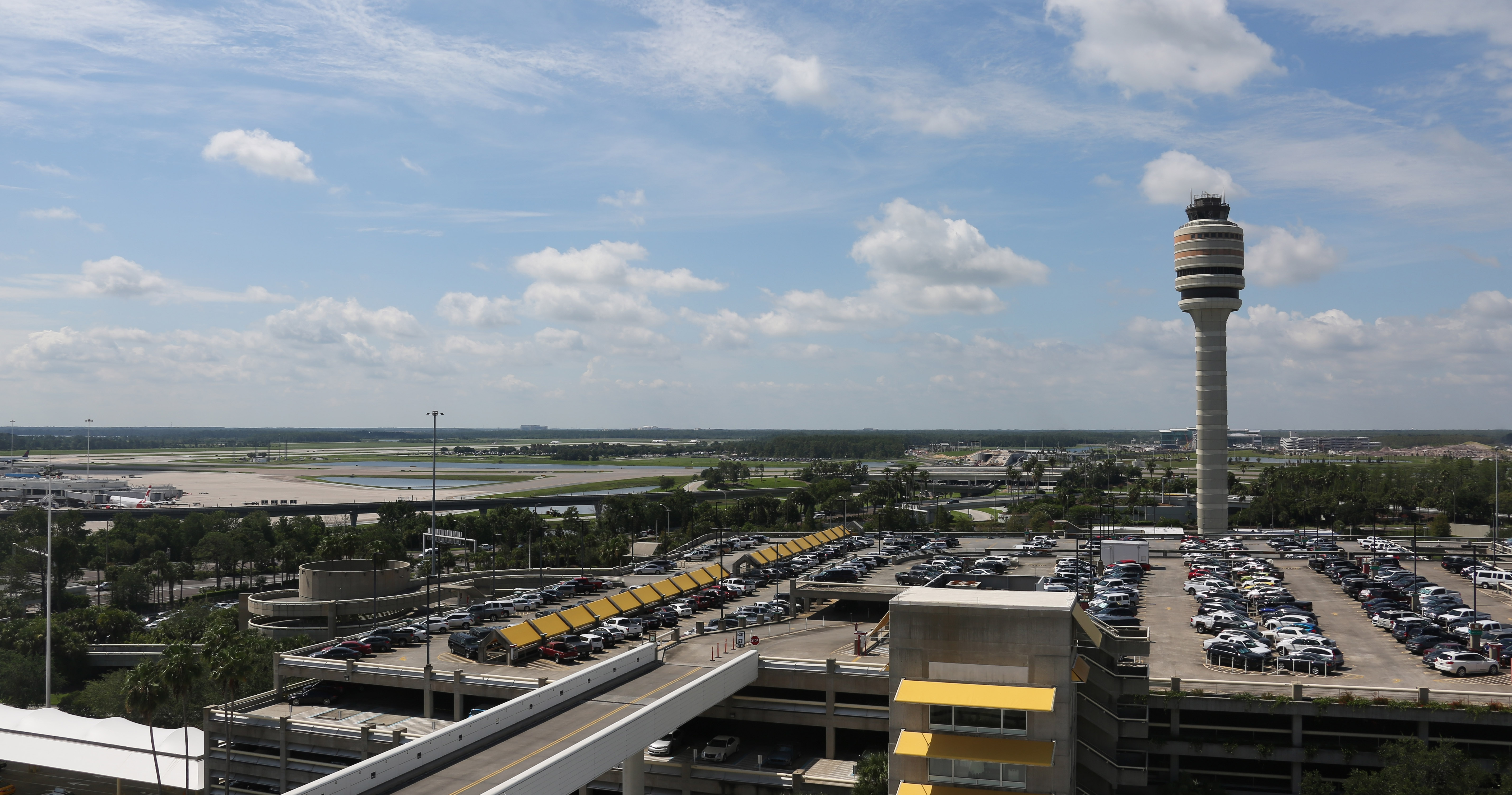 Battery explodes in bag at Orlando airport, causes panic and evacuation