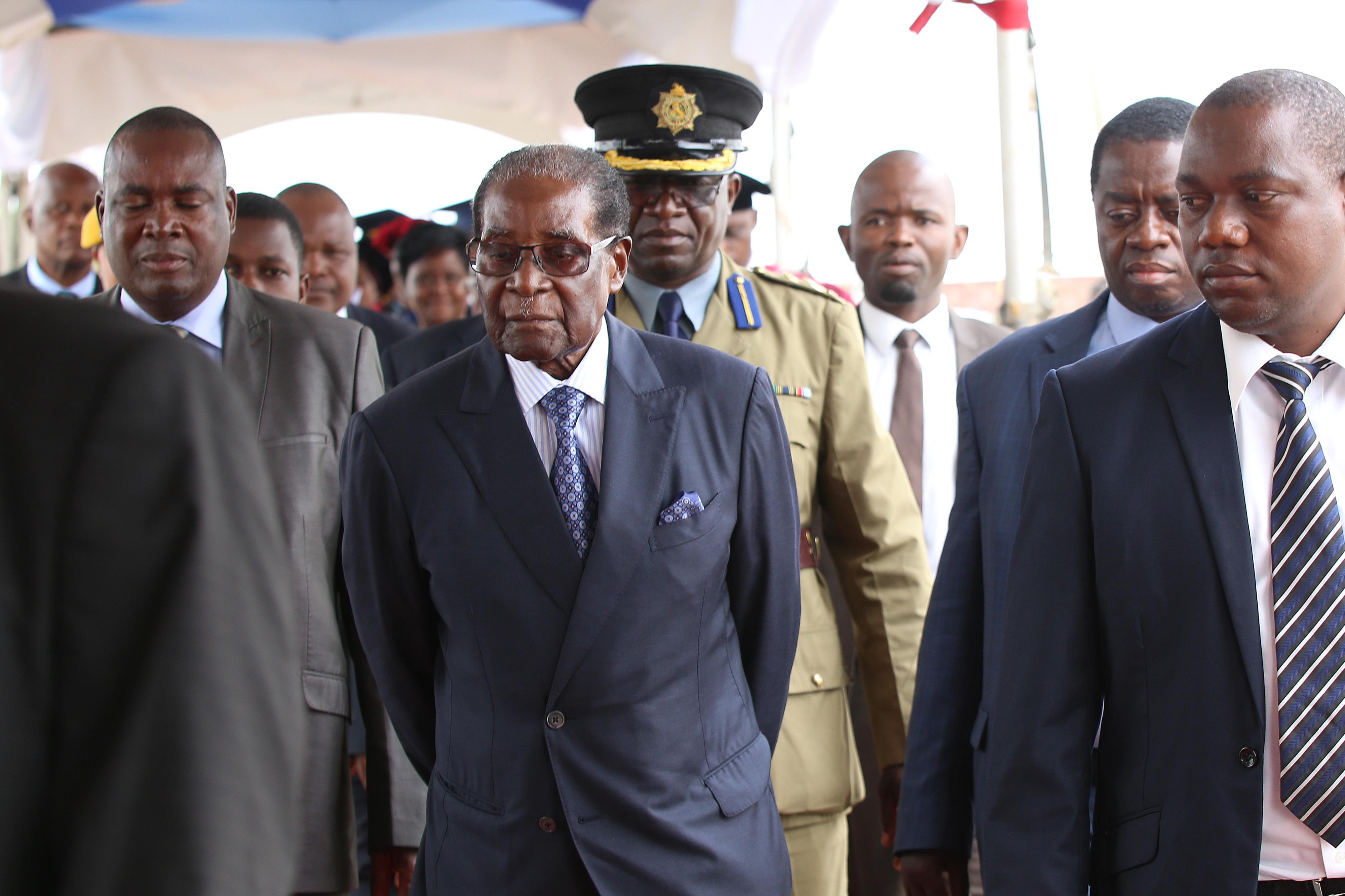 Zimbabwe's Mugabe Said to Risk Impeachment If He Doesn't Quit