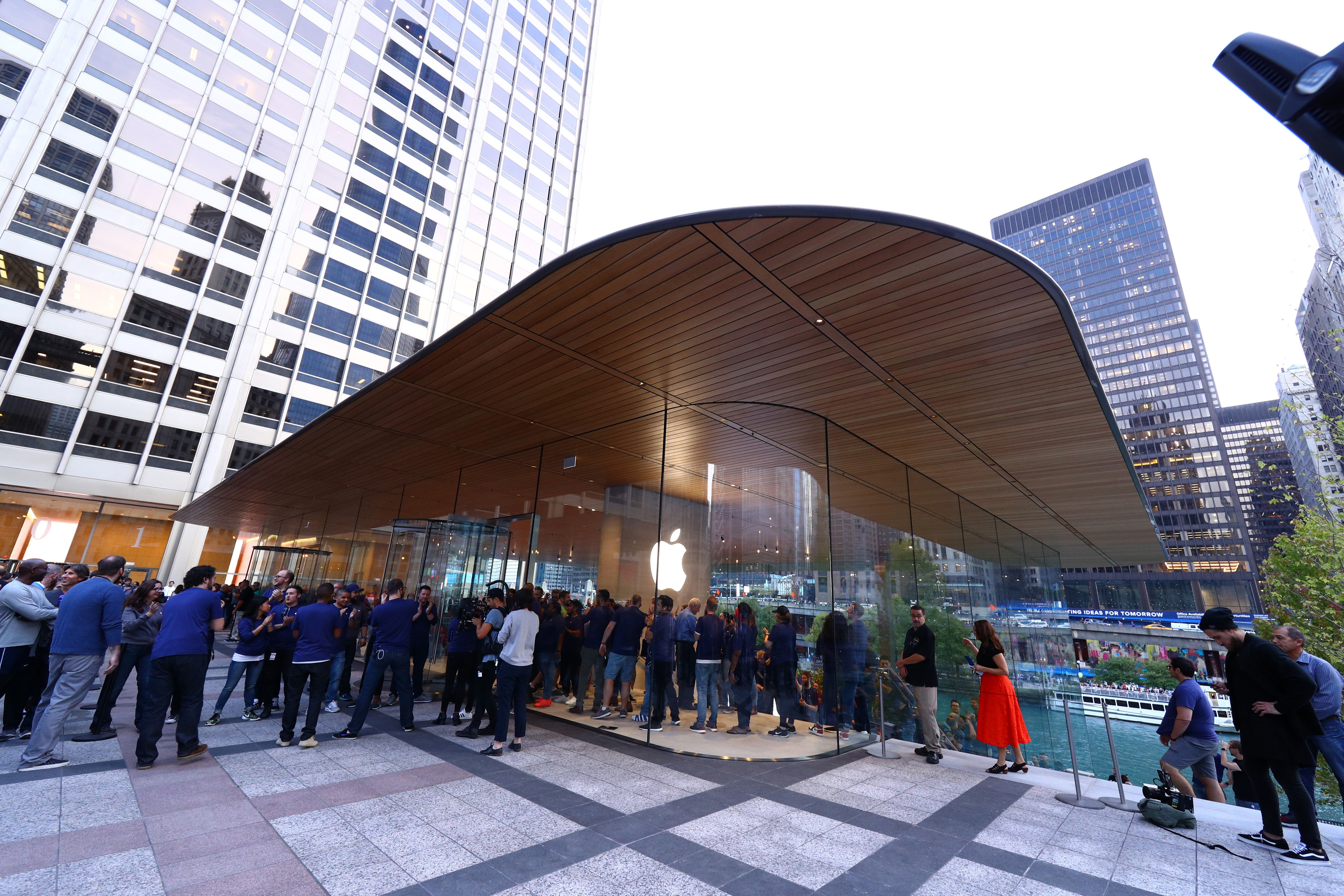 Opening of the Macbook-shaped roof tops' Apple Store in Chicago