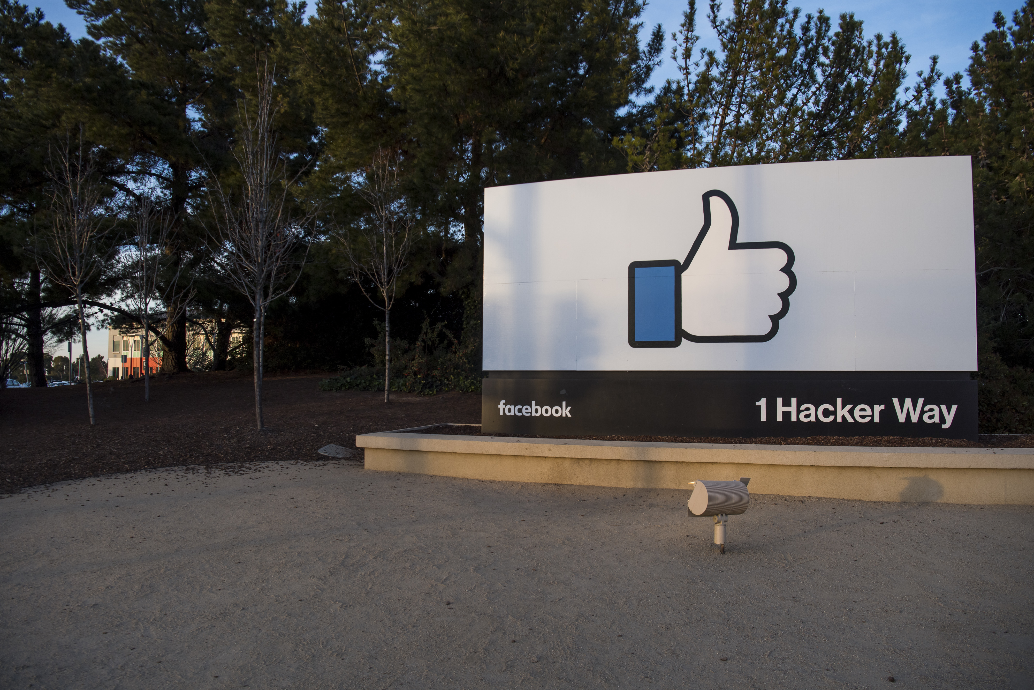 A 'thumbs-up' sign is displayed outside the Facebook headquarters in Menlo Park, California, U.S., on Monday, Jan. 30, 2017.