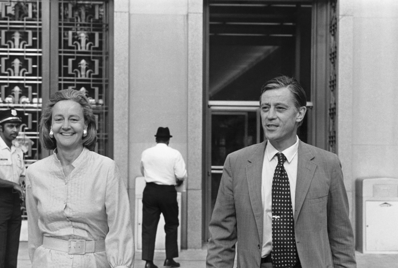 Katherine Graham and Ben Bradlee Leaving Building