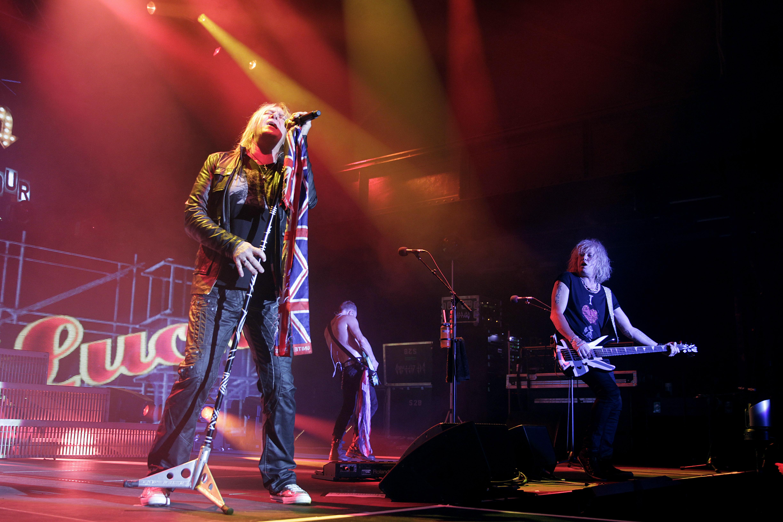 """Britische Hard-Rock-Band Def Leppard gastiert auf ihrer """"Tour 2015"""" im Palladium Köln"""