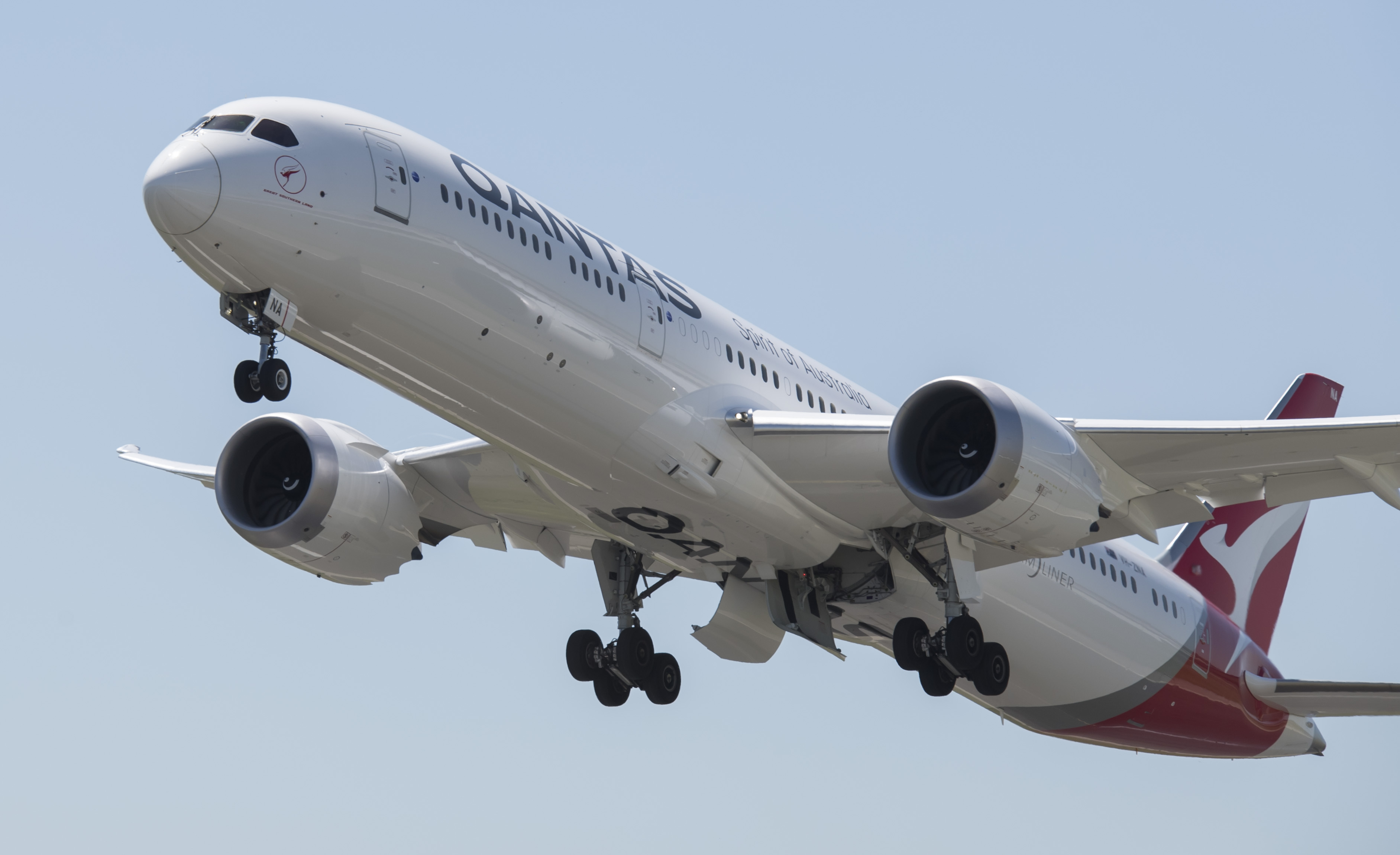 Qantas Boeing 787 Dreamliner Takes Off For First Melbourne To Los Angeles Flight