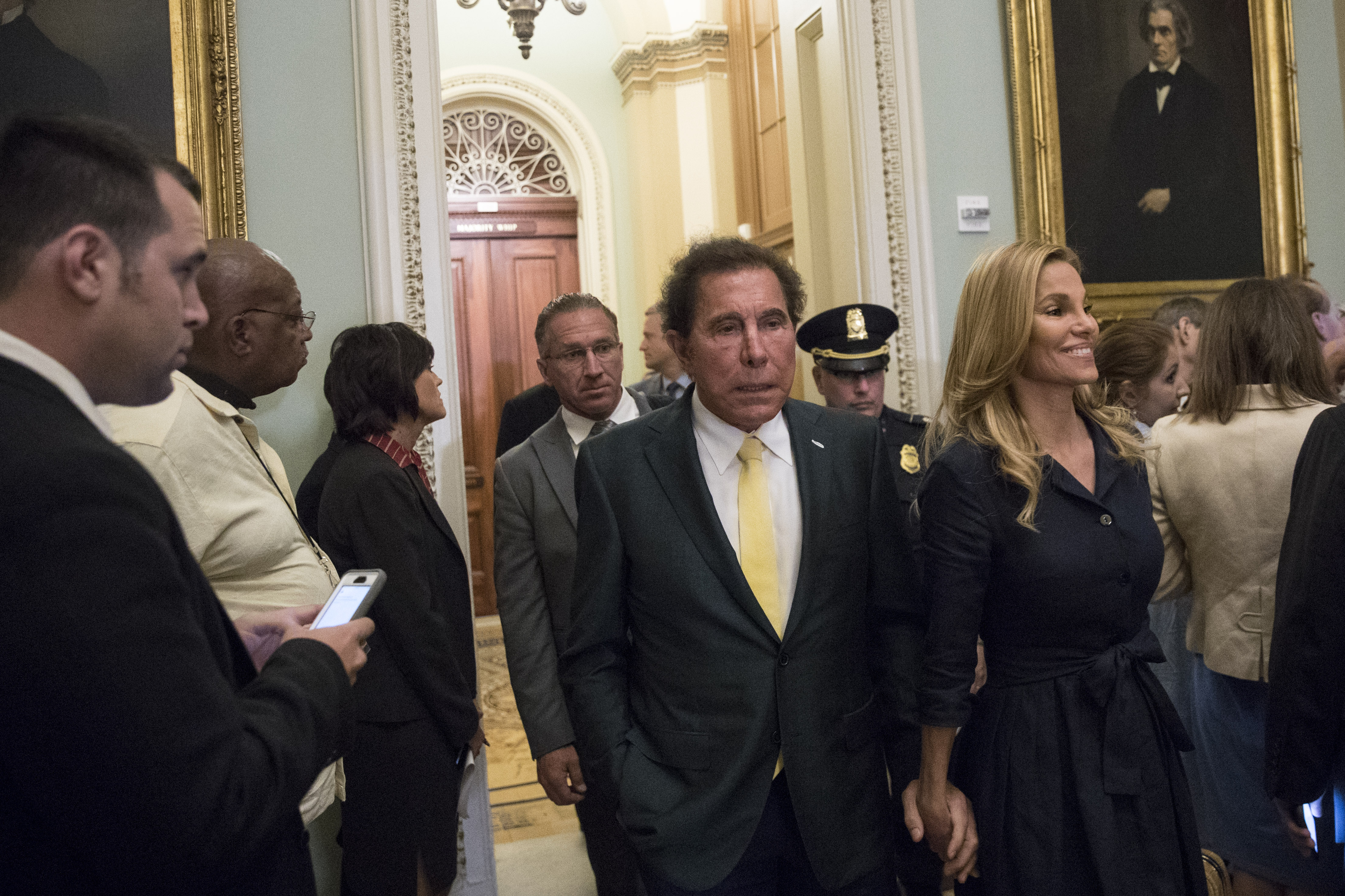 steve wynn stock sexual harassment net worth