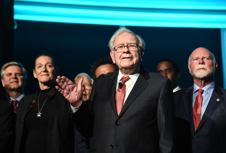 warren buffett buys cryptocurrency