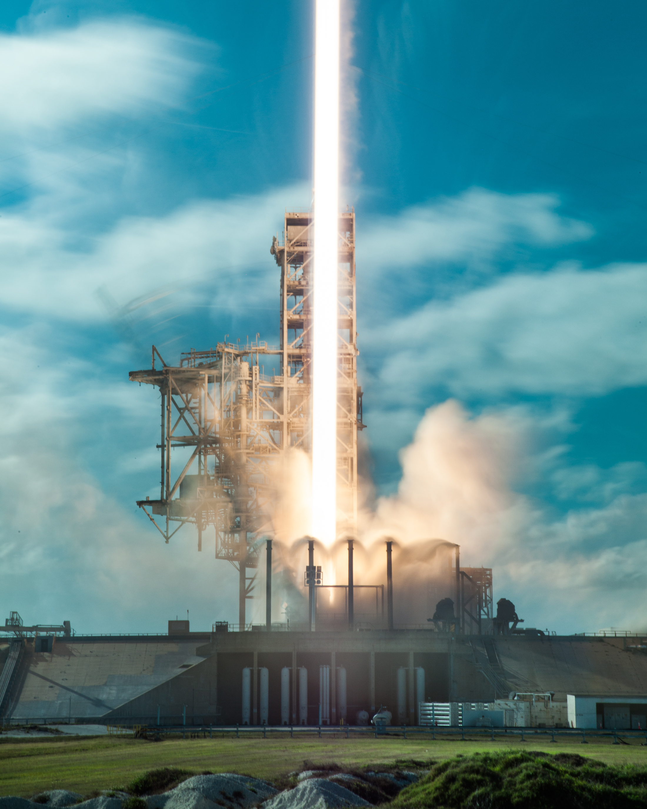SpaceX Falcon Heavy Demo flight from Kennedy Space Center SLC-39A, Cape Canaveral, FL on February 5, 2018