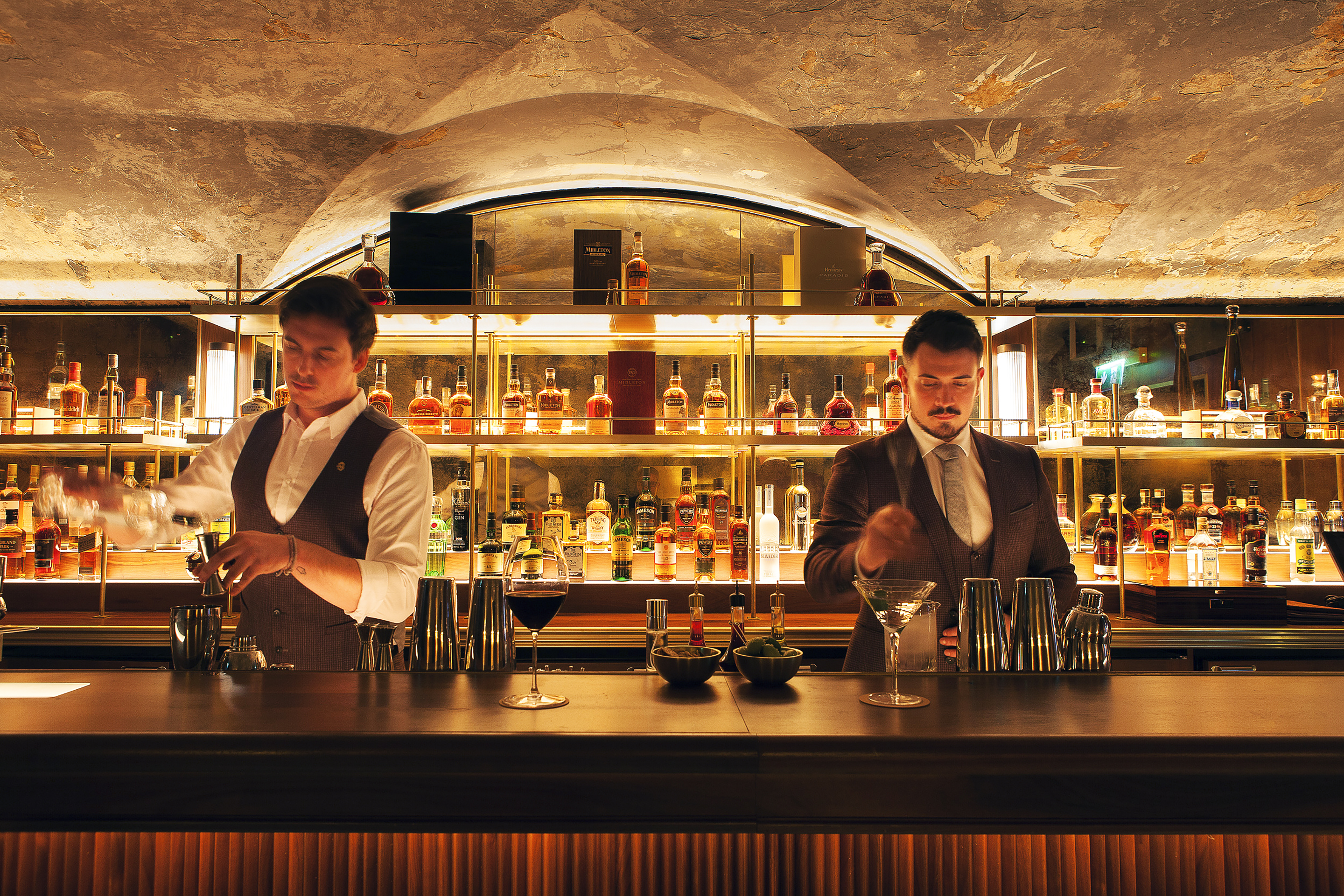 Mixologists at 9 Below whip up some of Dublin's best cocktails.