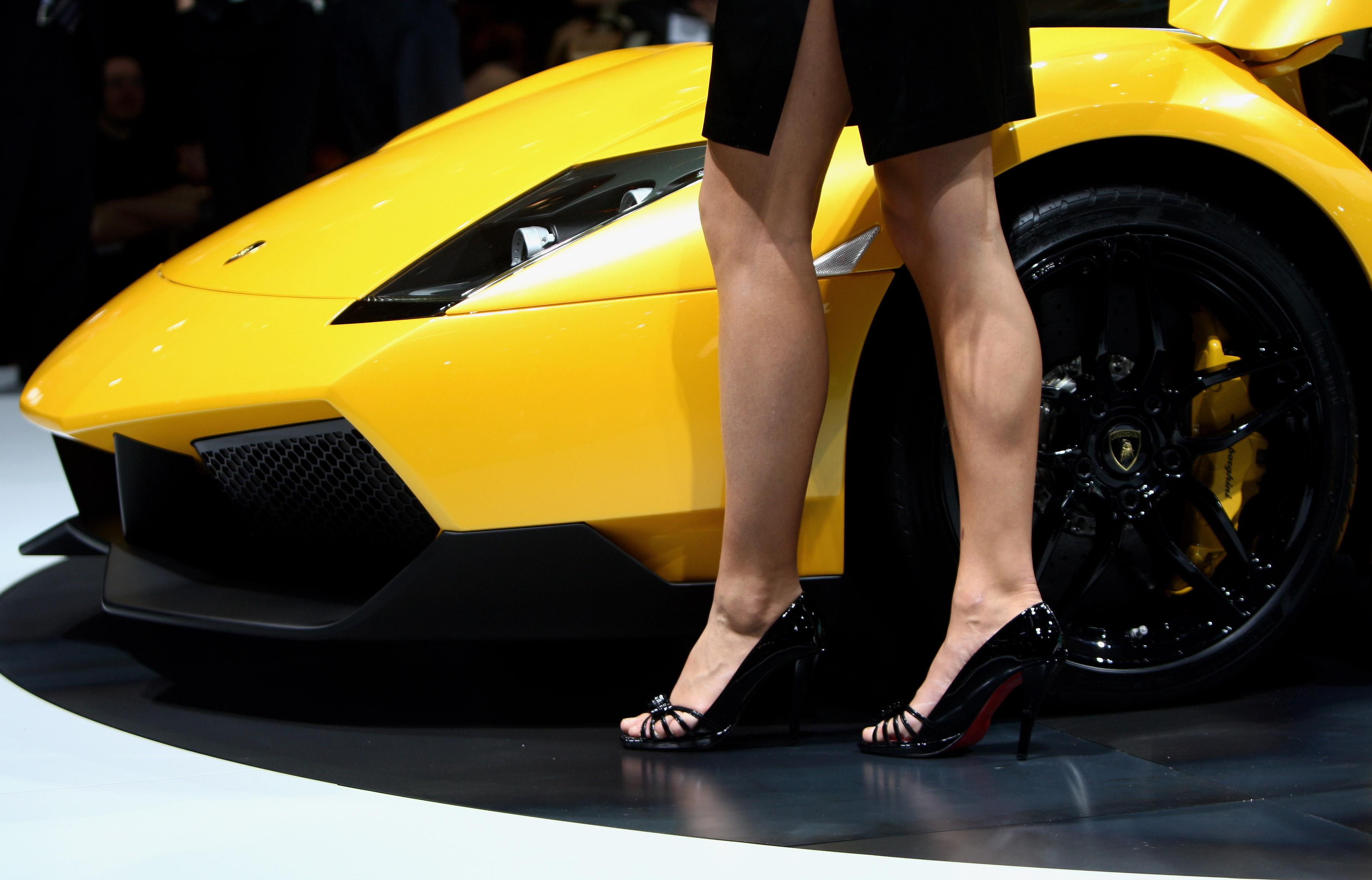 Geneva Motor Show 2018 >> Geneva Motor Show 2018 Booth Babes Are Being Banished