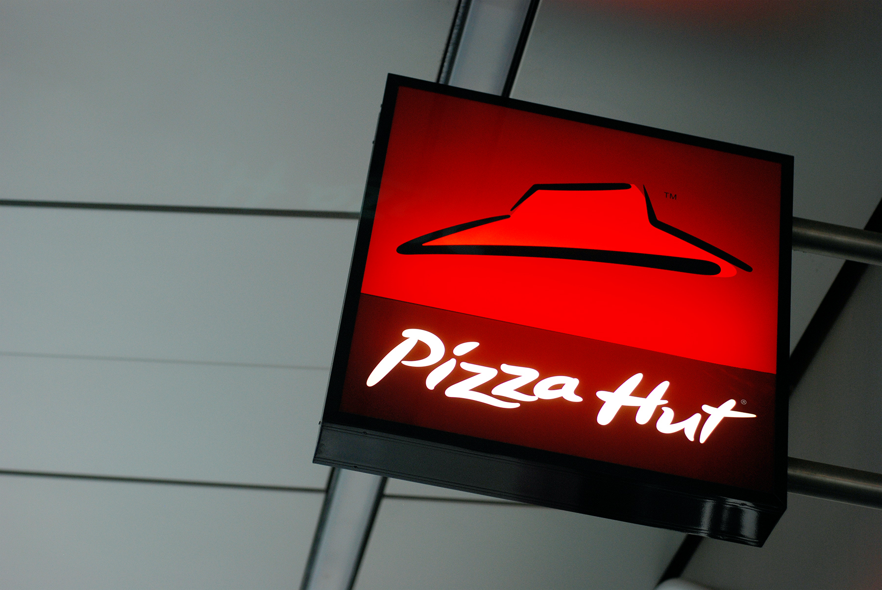 Sign of Pizza Hut in Liverpool One shopping center