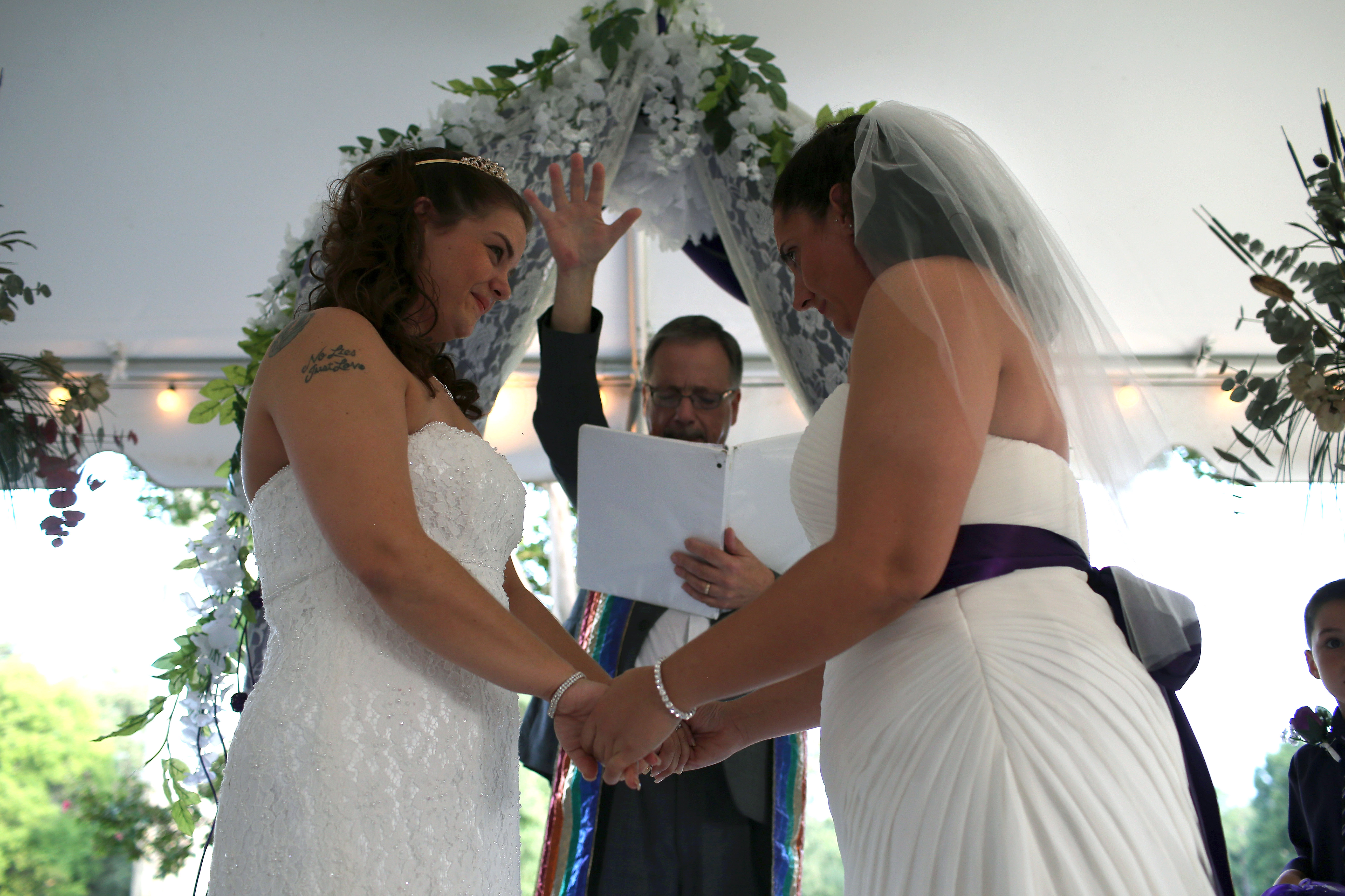 Gay-Marriage-Ceremony-USA