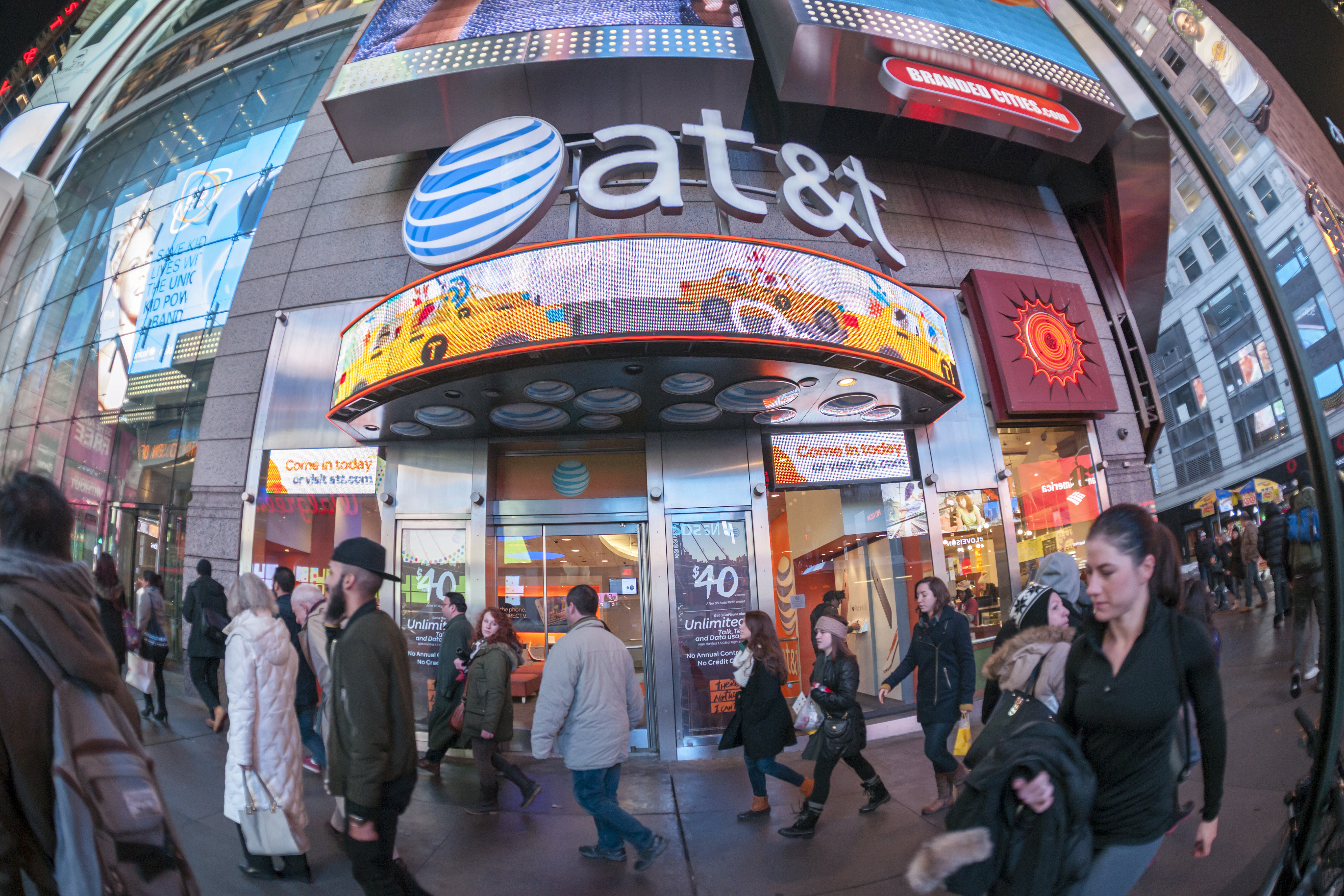 AT&T adds 2.8 million customers